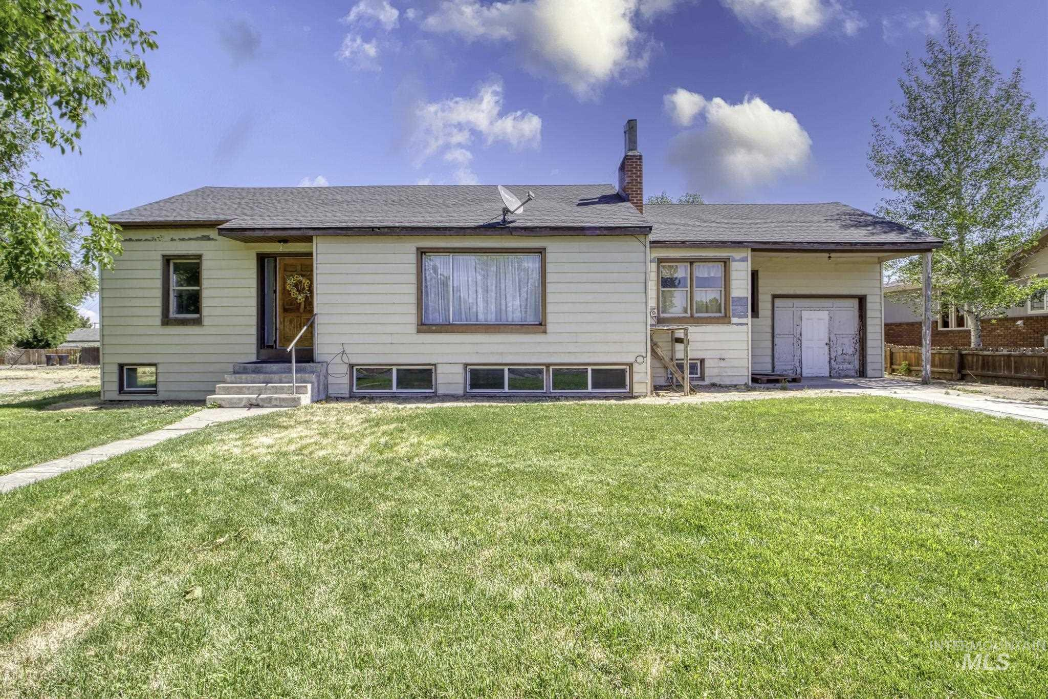 Buhl West Lawn Real Estate Listings Main Image