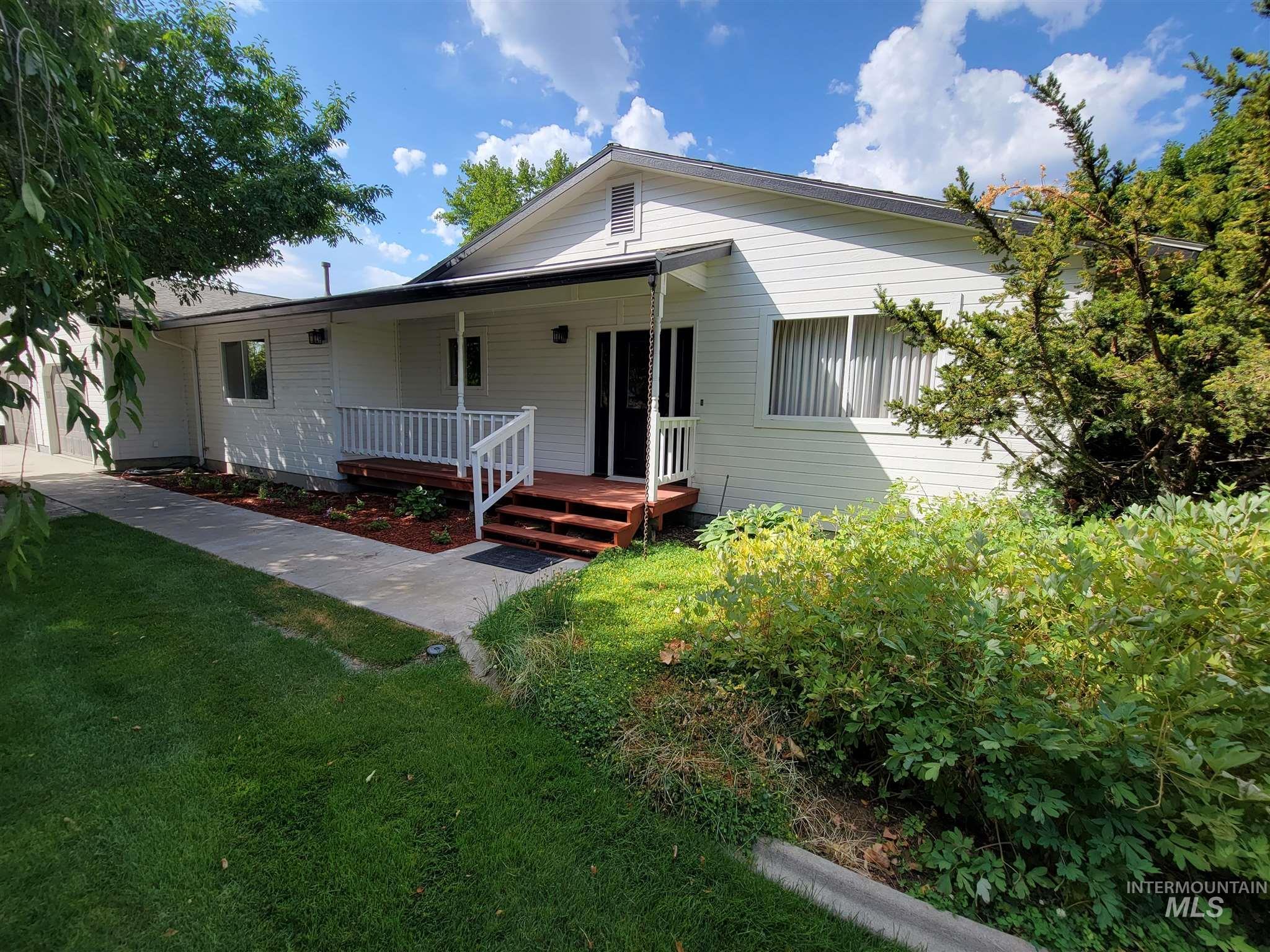 11195 Hunt Ave Property Photo