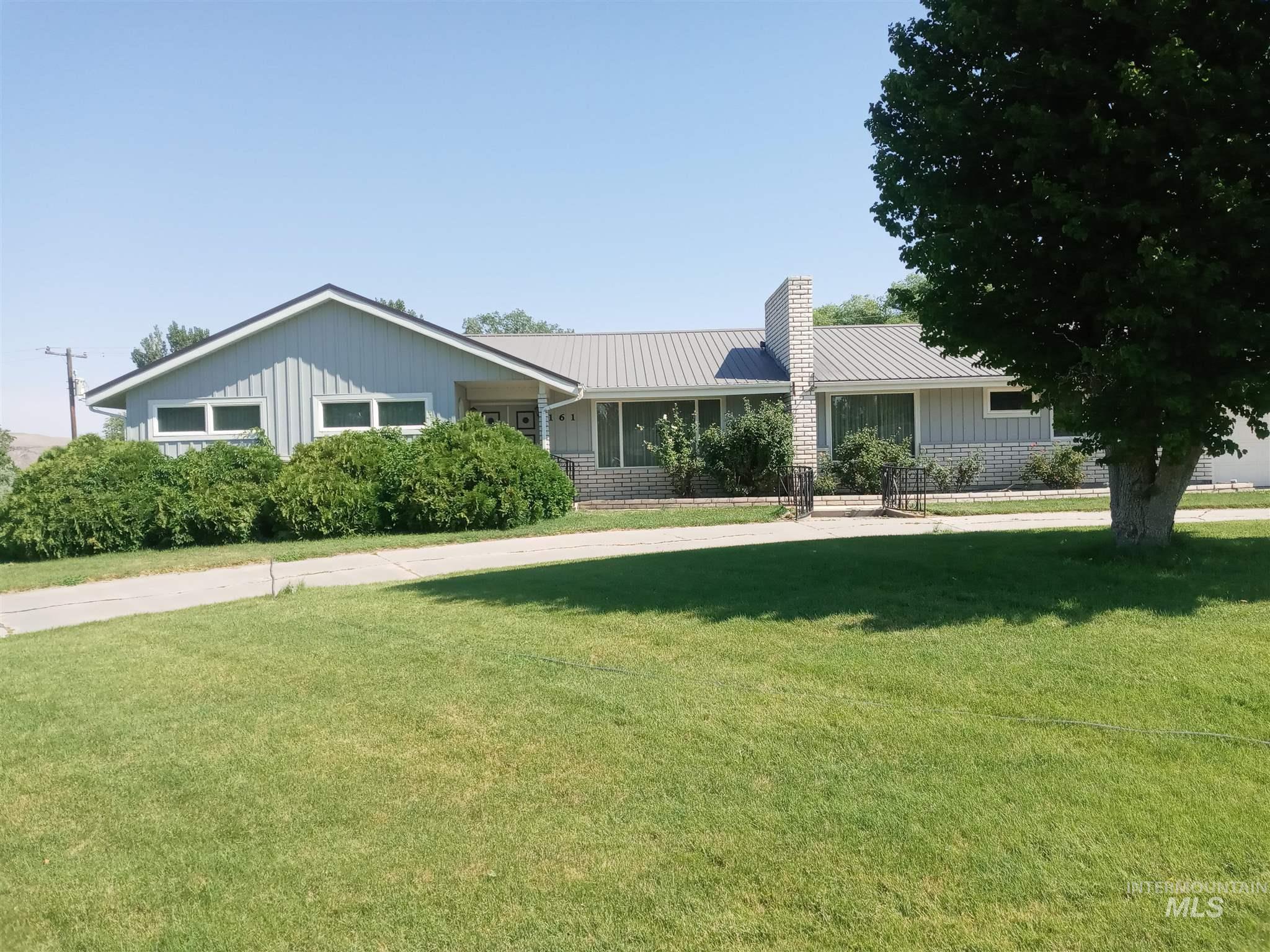 161 W Orchard Street Property Photo 1
