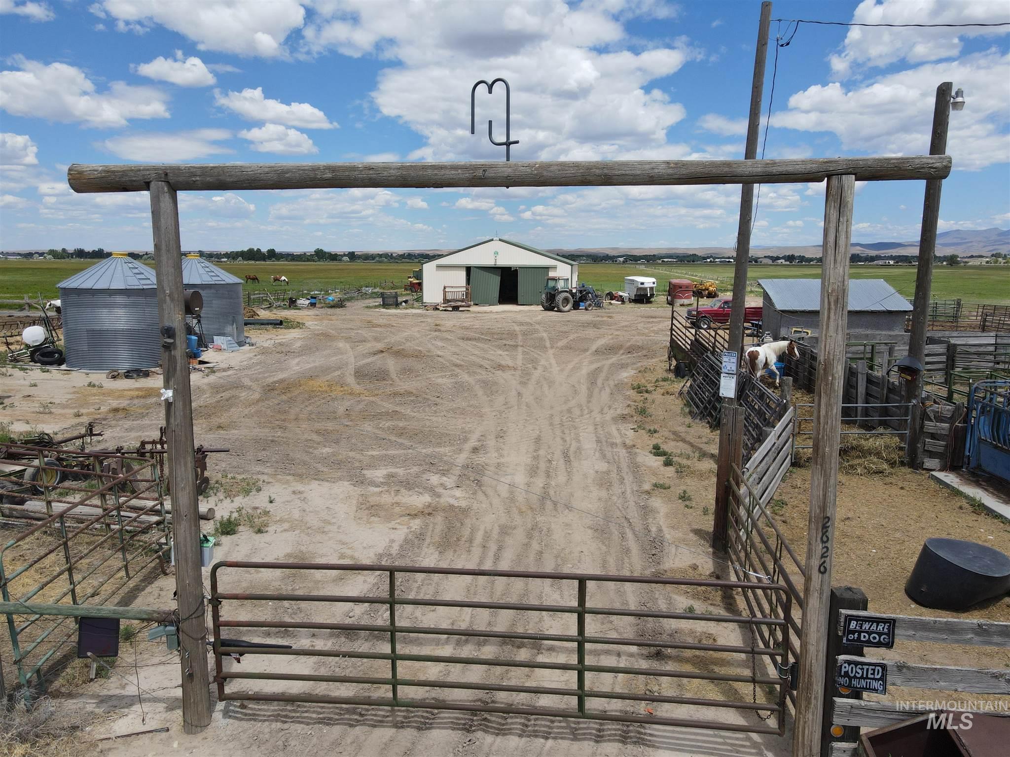 2626 W Sales Yard Rd. Property Photo