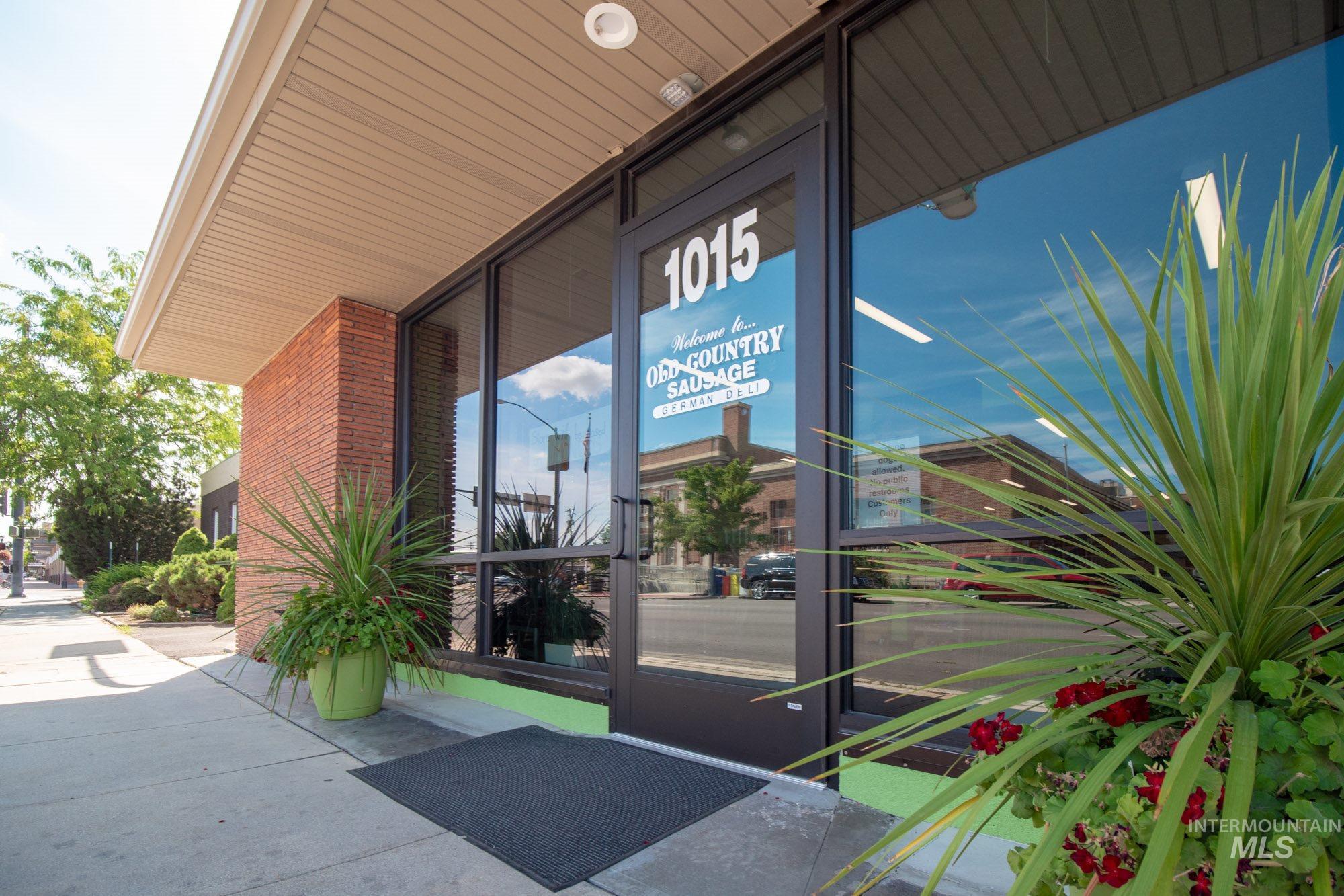 1015 2nd Street Property Photo