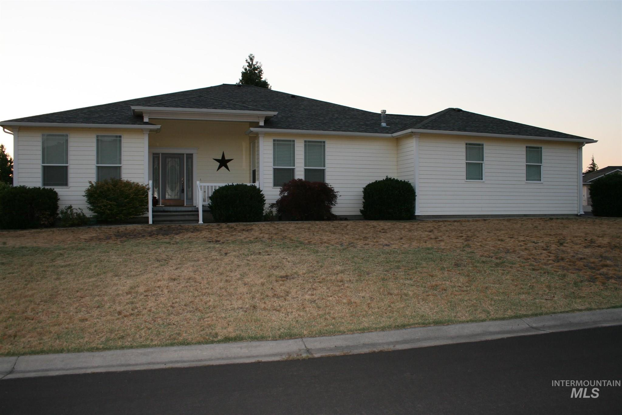 139 Selway Court Property Photo