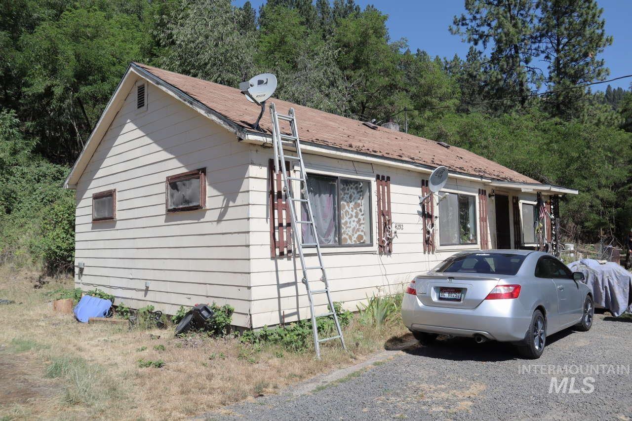4292 Cavendish Highway Property Photo