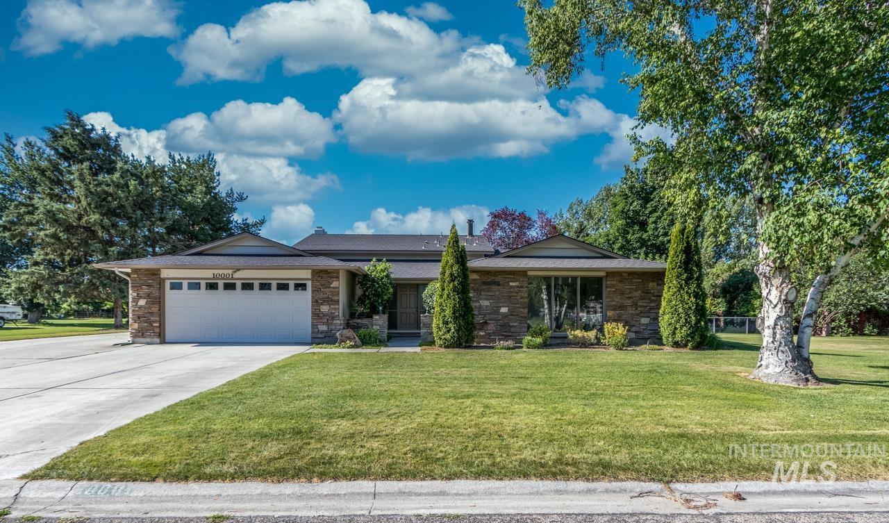 10001 W Hackamore Drive Property Photo