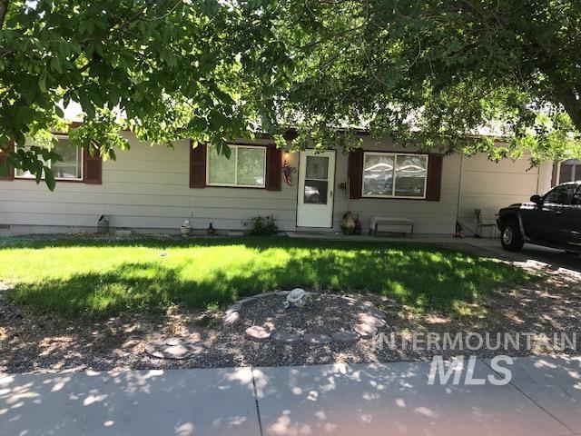 2603 / 2605 Iowa Ave. Property Photo 2