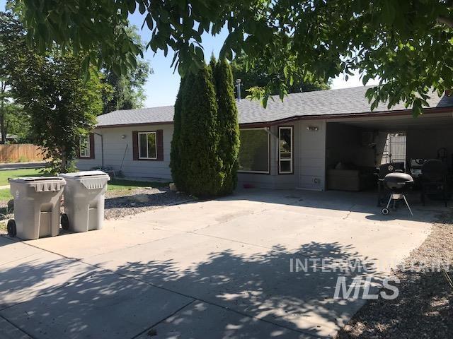 2603 / 2605 Iowa Ave. Property Photo 3