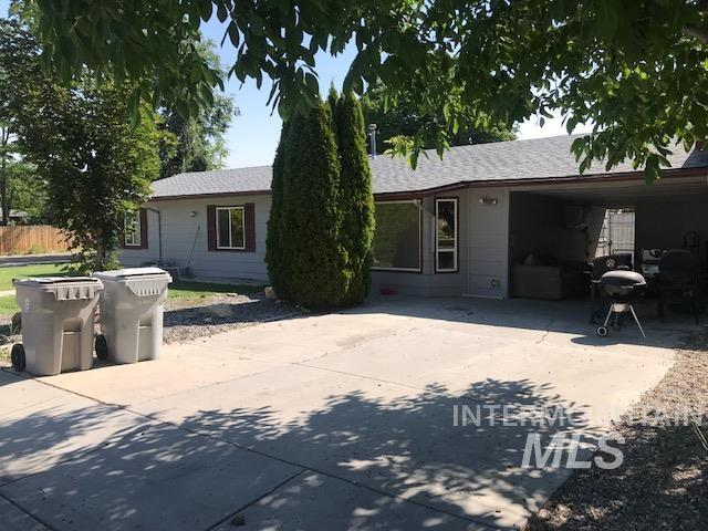 2603 / 2605 Iowa Ave. Property Photo 4
