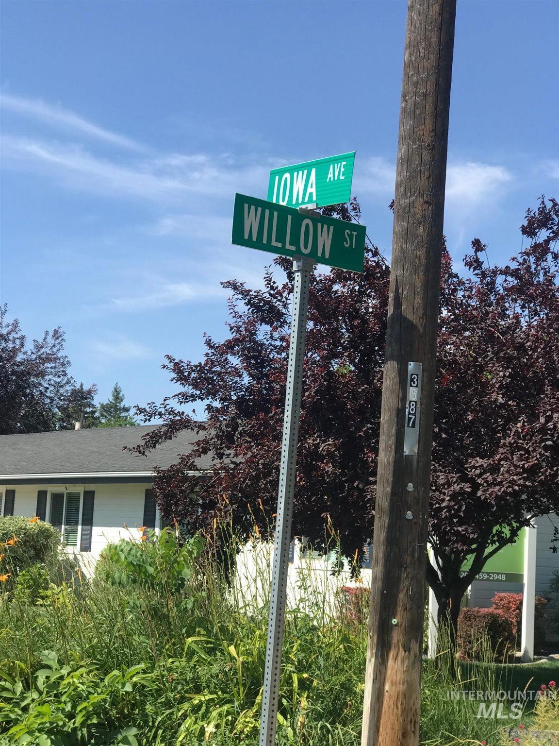 2603 / 2605 Iowa Ave. Property Photo 12