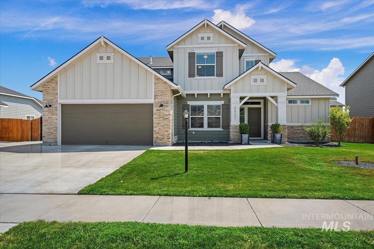 6657 E Thornton St Property Photo