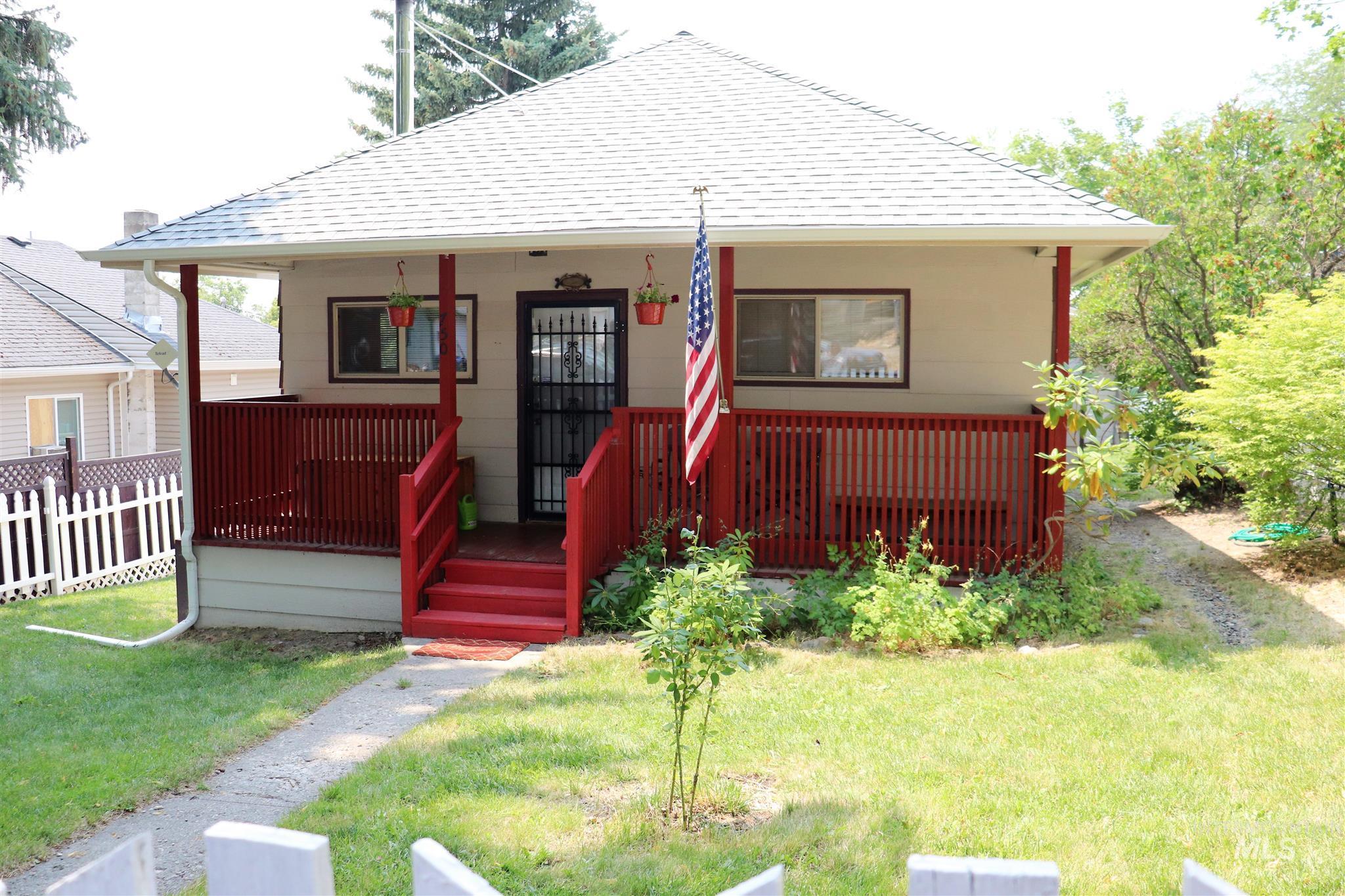 750 Elm Street Property Photo