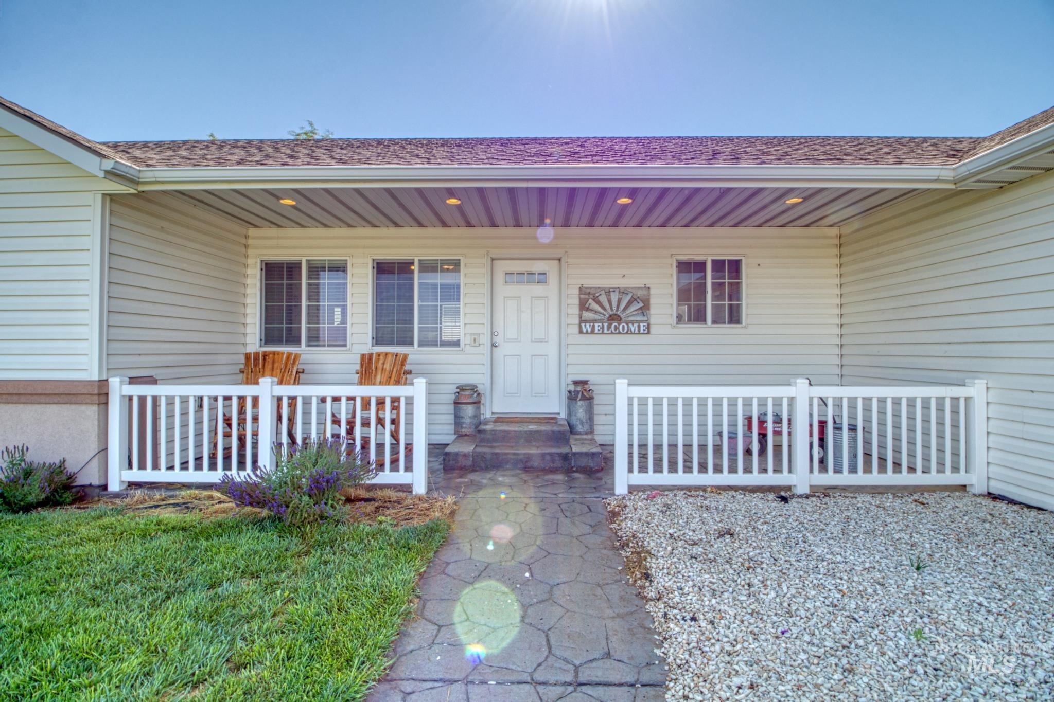 1042 Eden Rd S Property Photo 19