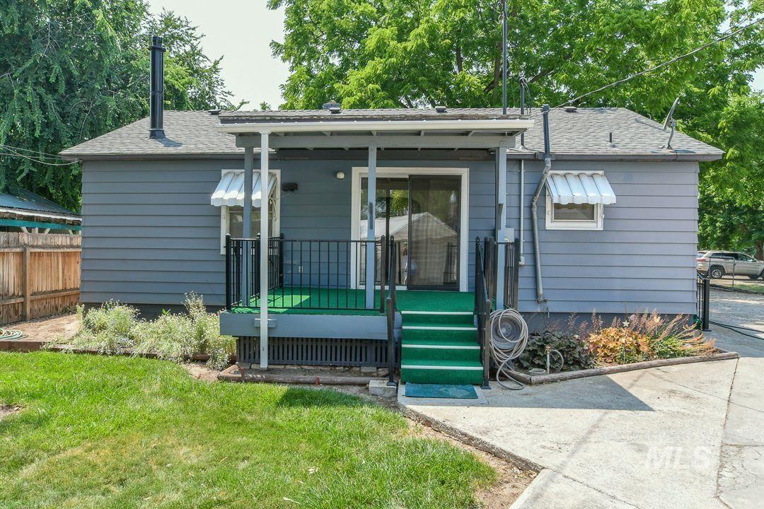 125 S West Blvd Property Photo 2