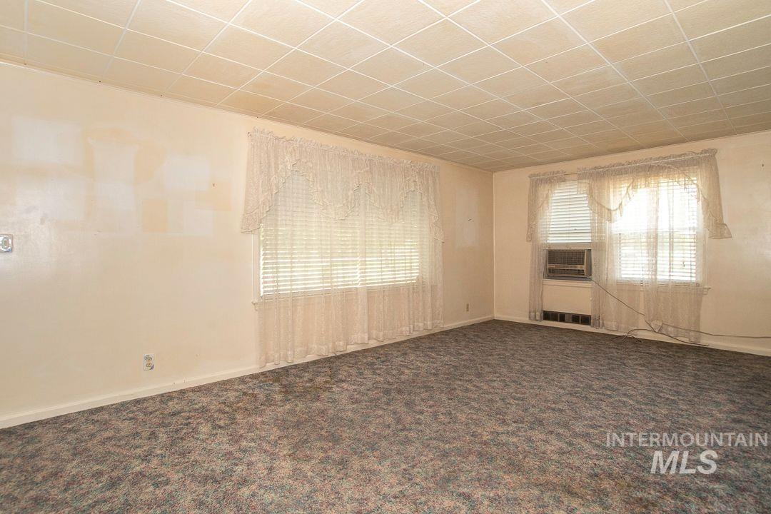 125 S West Blvd Property Photo 6
