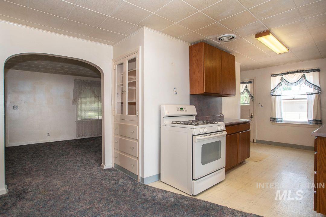 125 S West Blvd Property Photo 7
