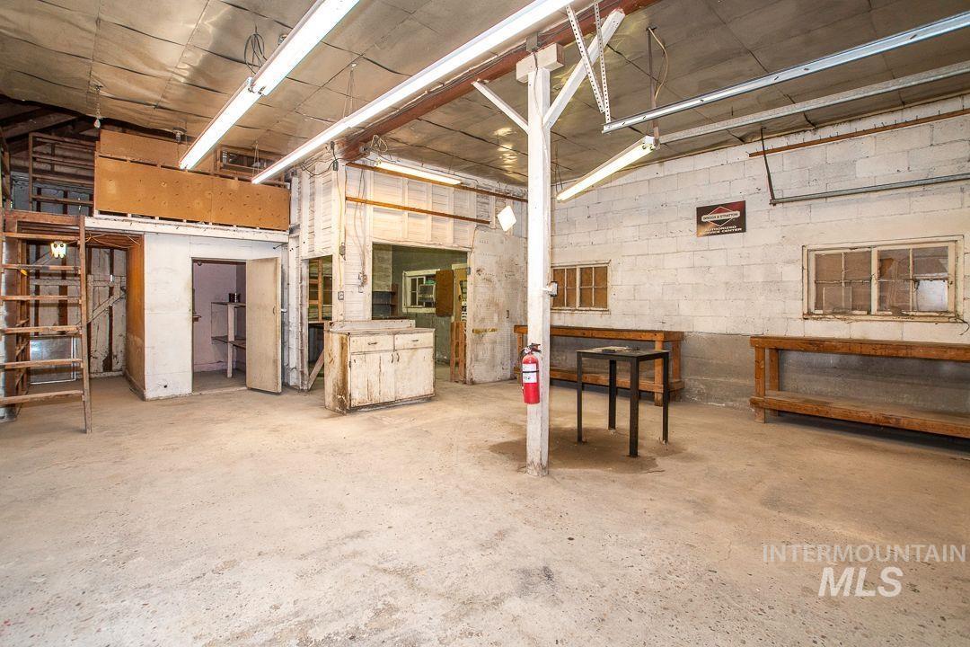125 S West Blvd Property Photo 33