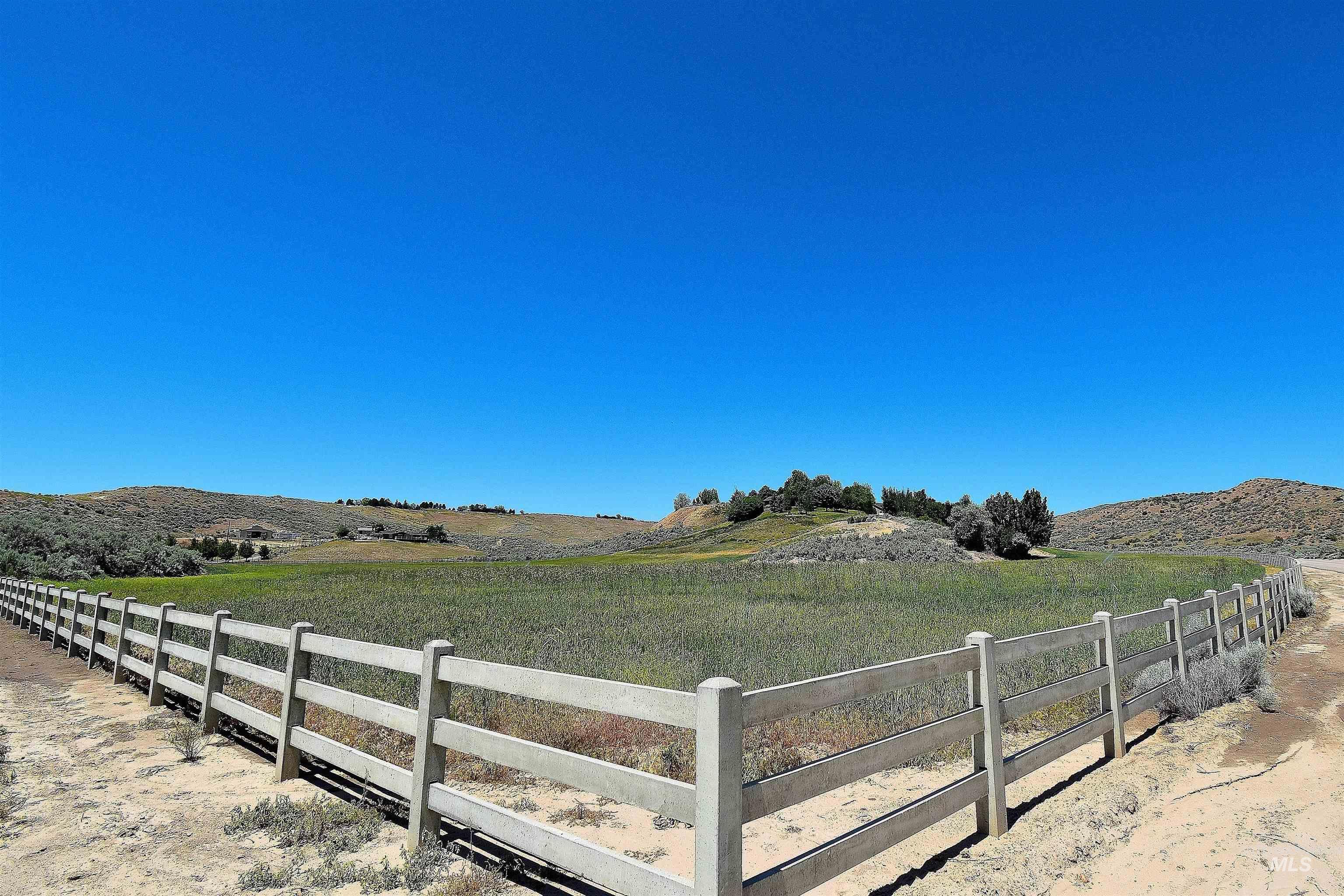6021 Willow Creek Property Photo 11