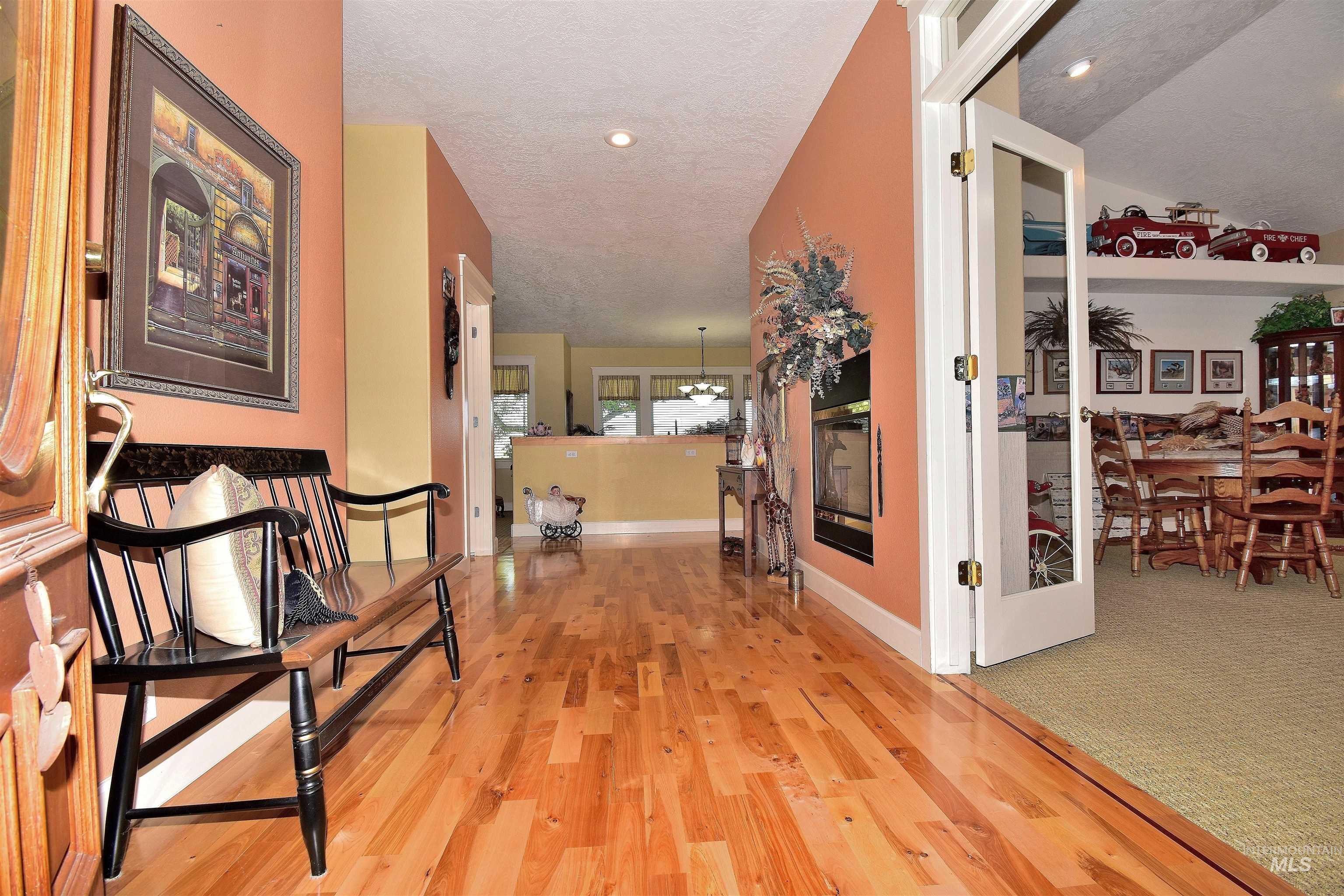 6021 Willow Creek Property Photo 13