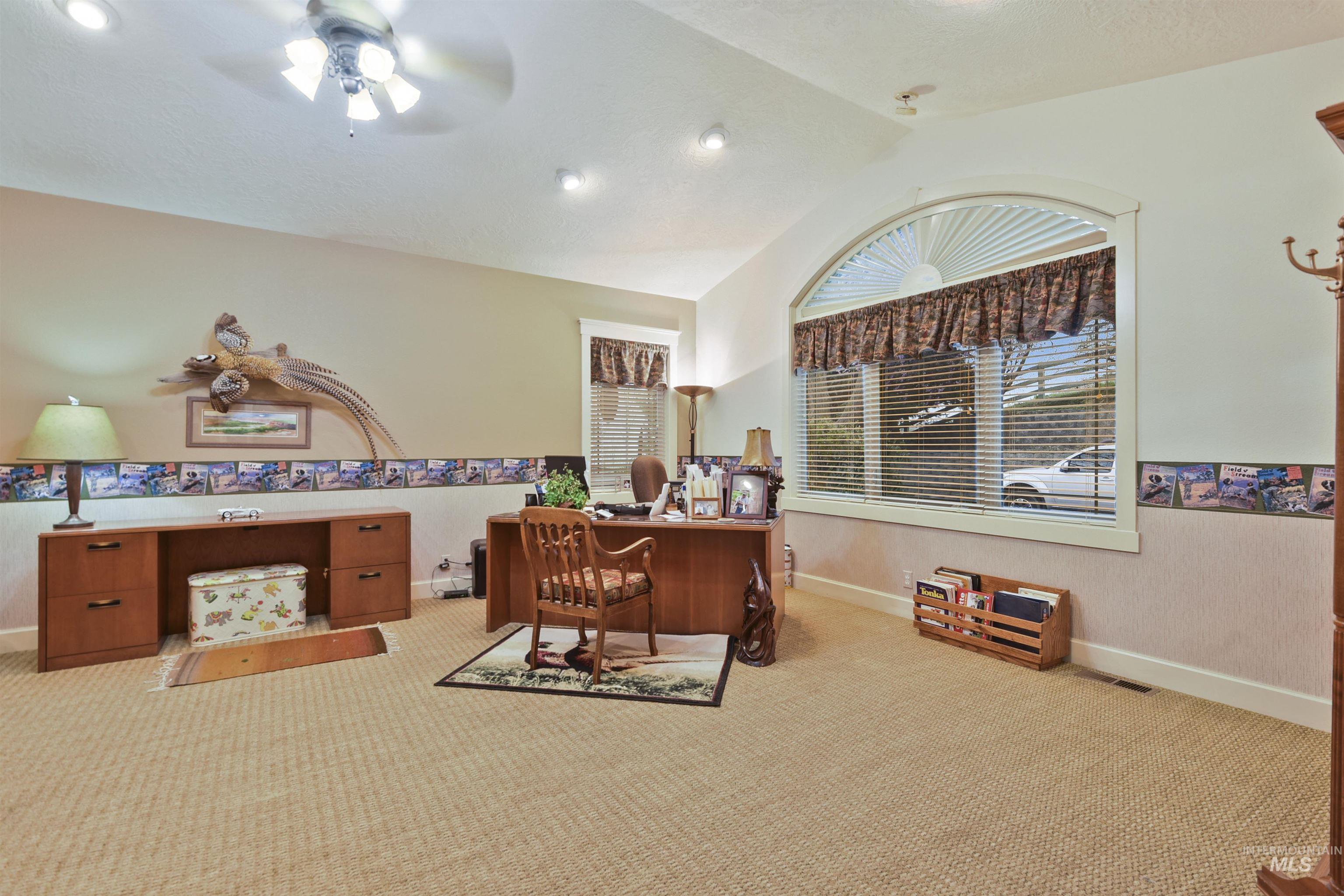 6021 Willow Creek Property Photo 14