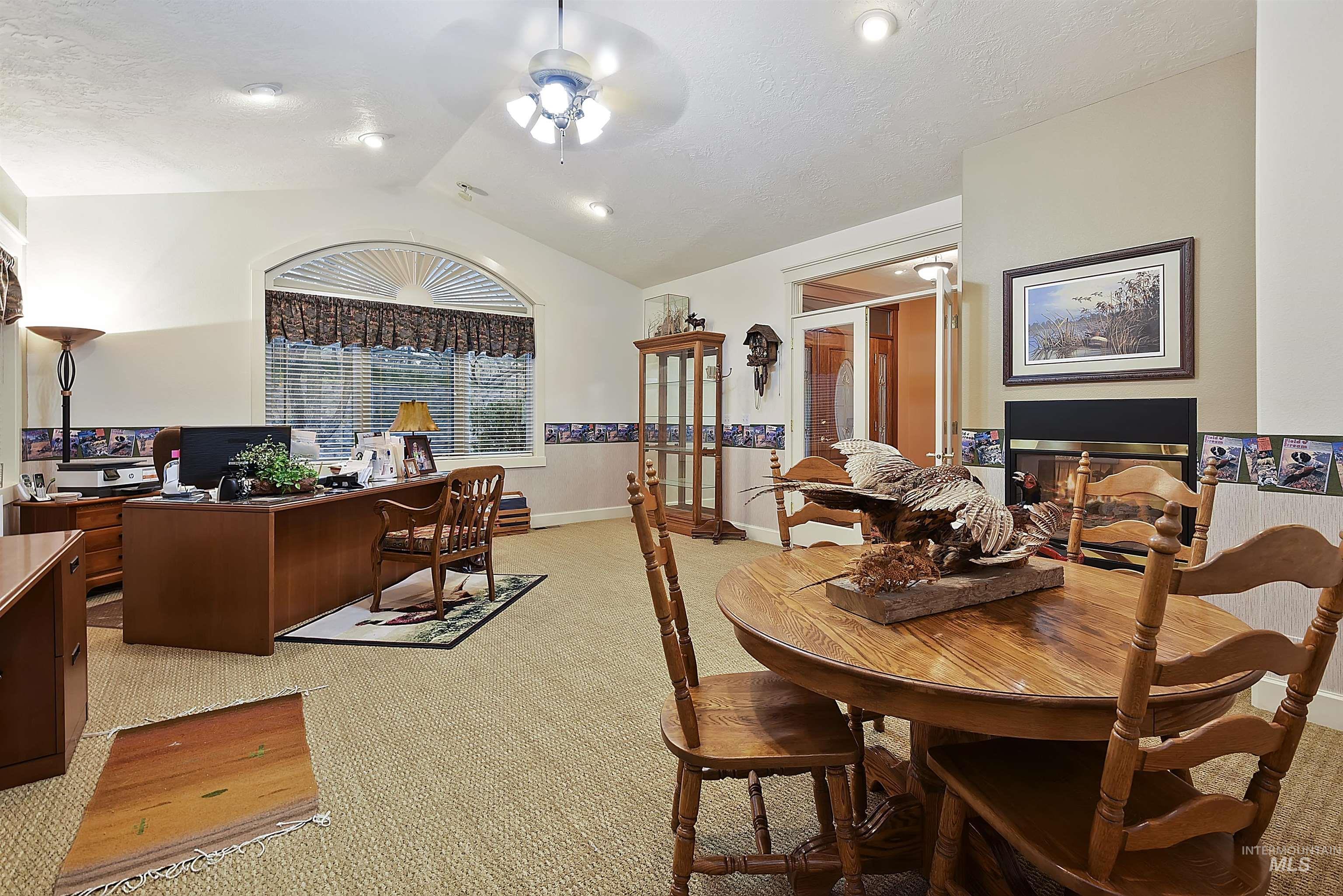 6021 Willow Creek Property Photo 15