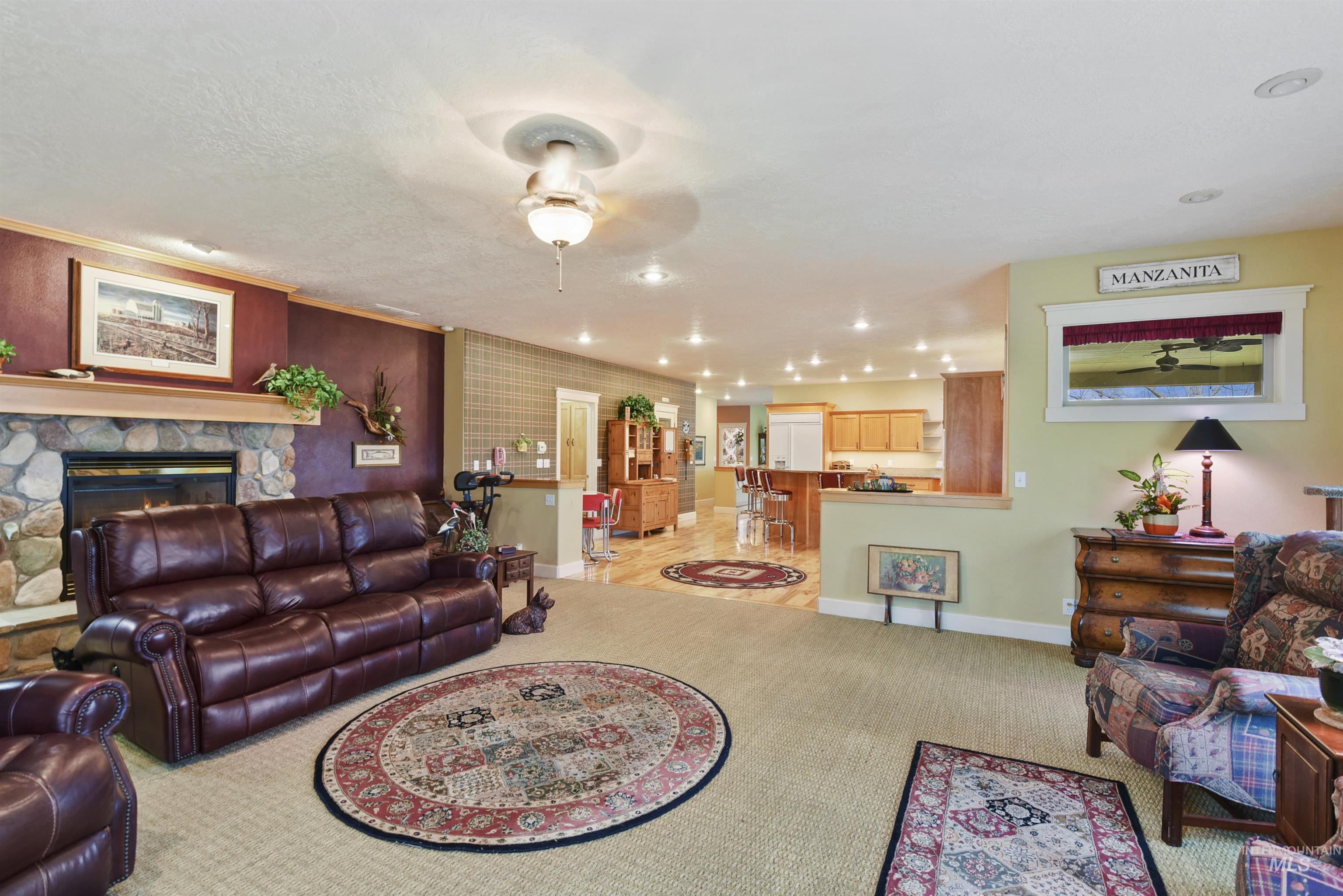 6021 Willow Creek Property Photo 17