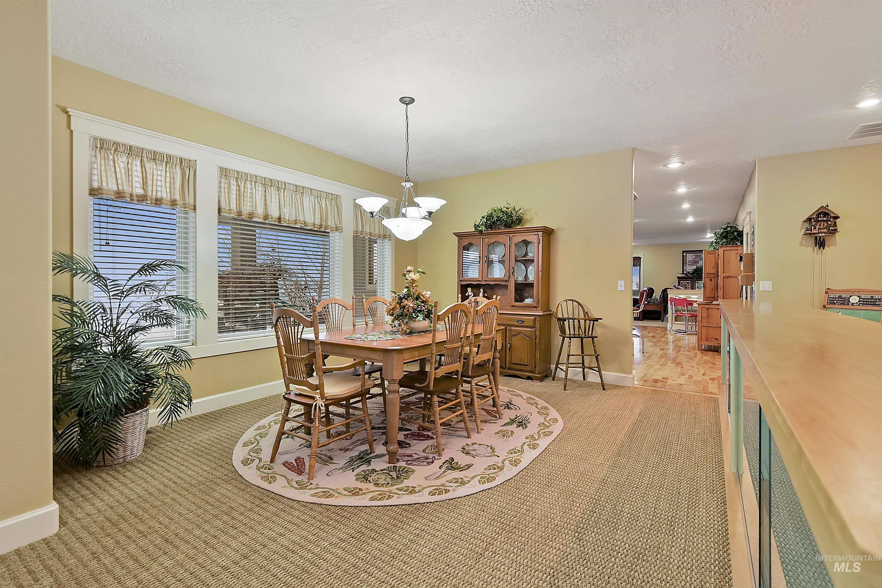 6021 Willow Creek Property Photo 18