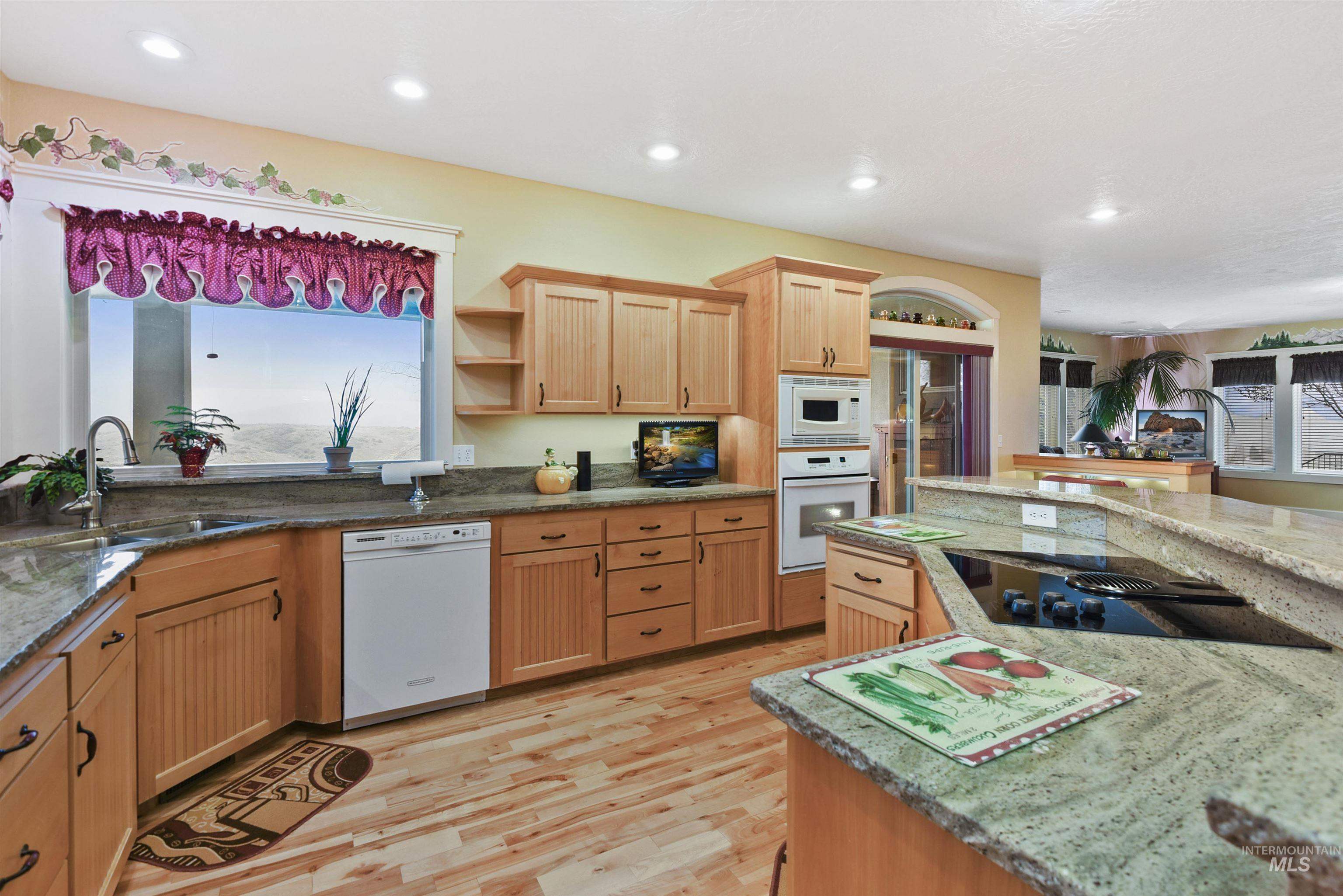 6021 Willow Creek Property Photo 20