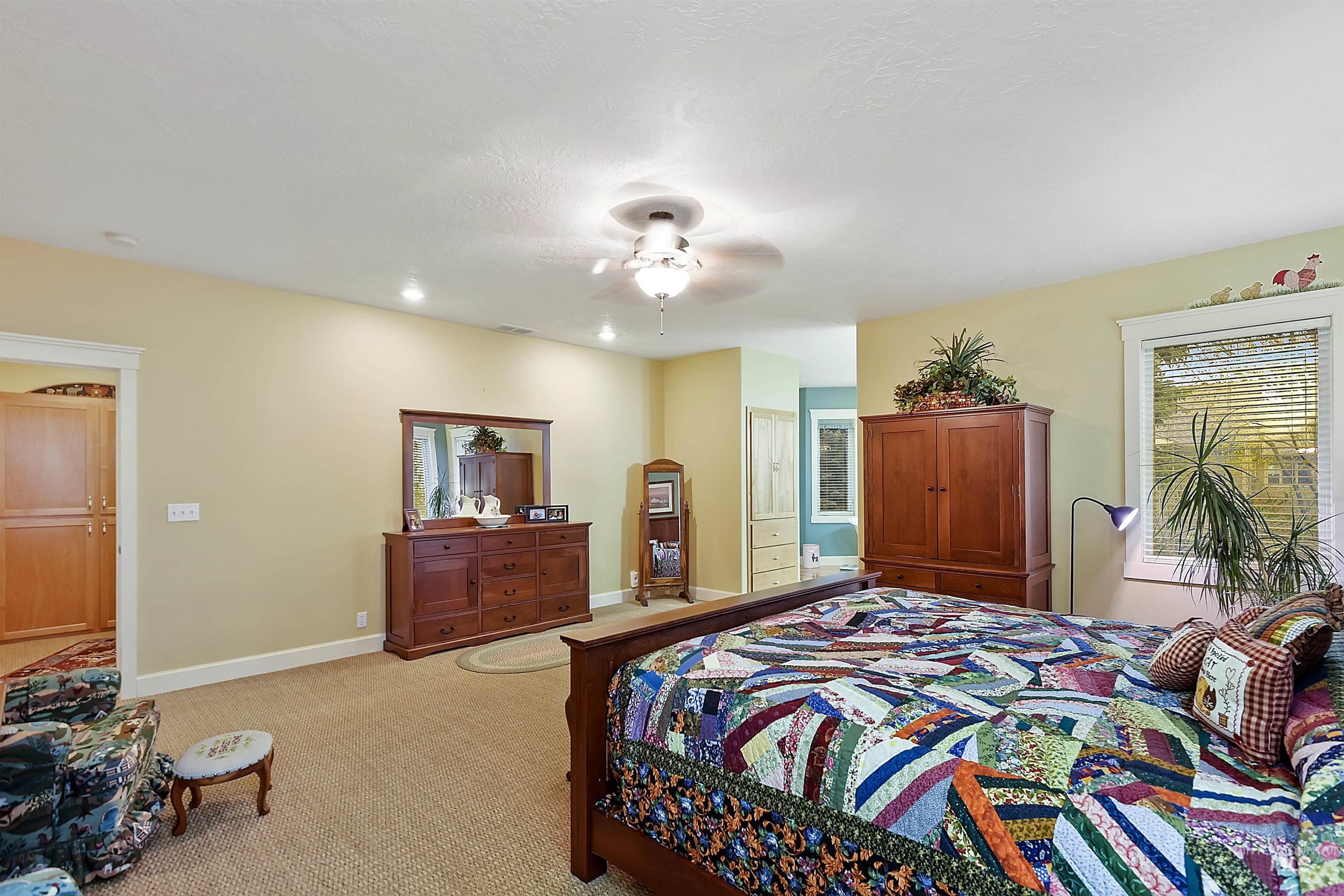6021 Willow Creek Property Photo 22