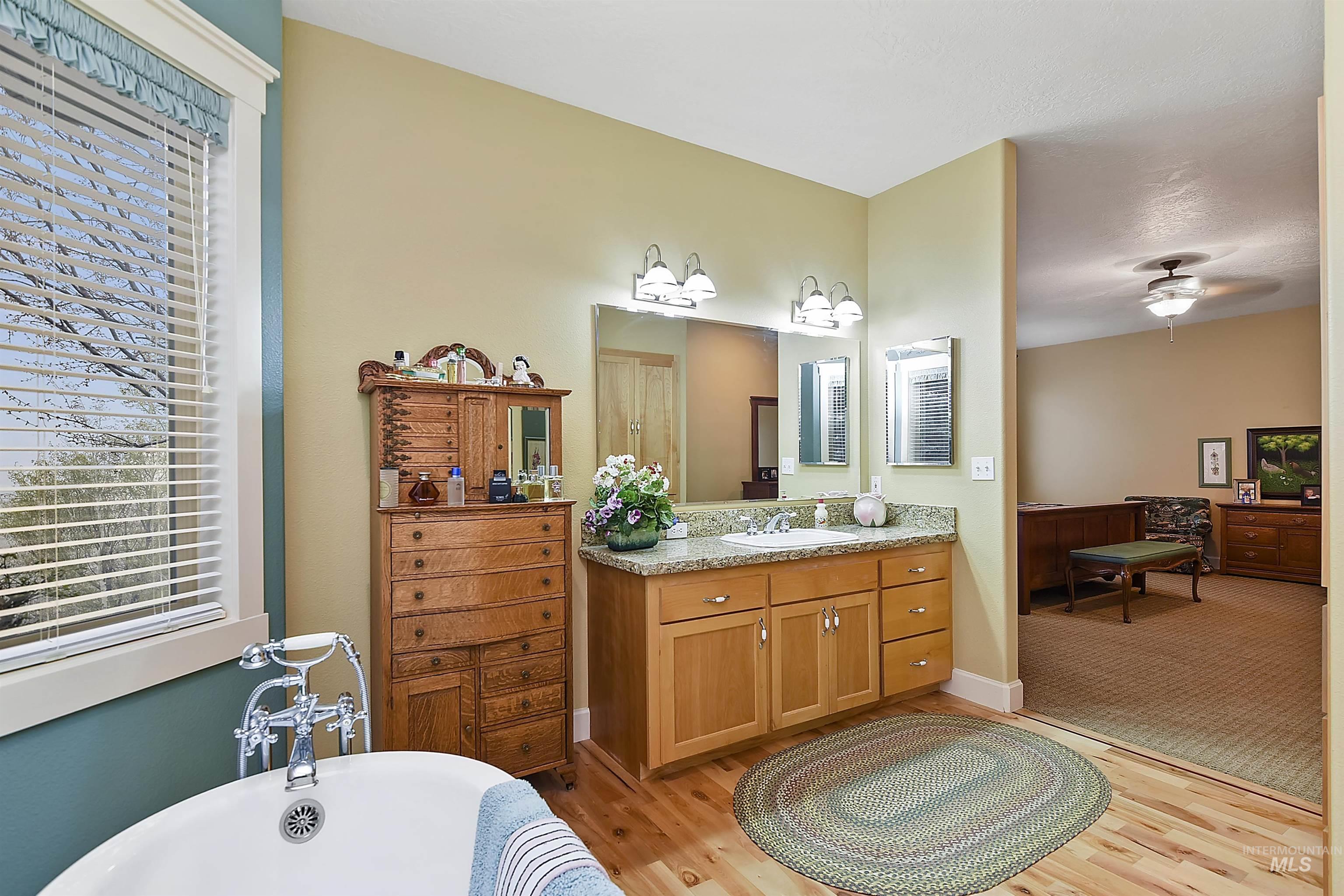 6021 Willow Creek Property Photo 30