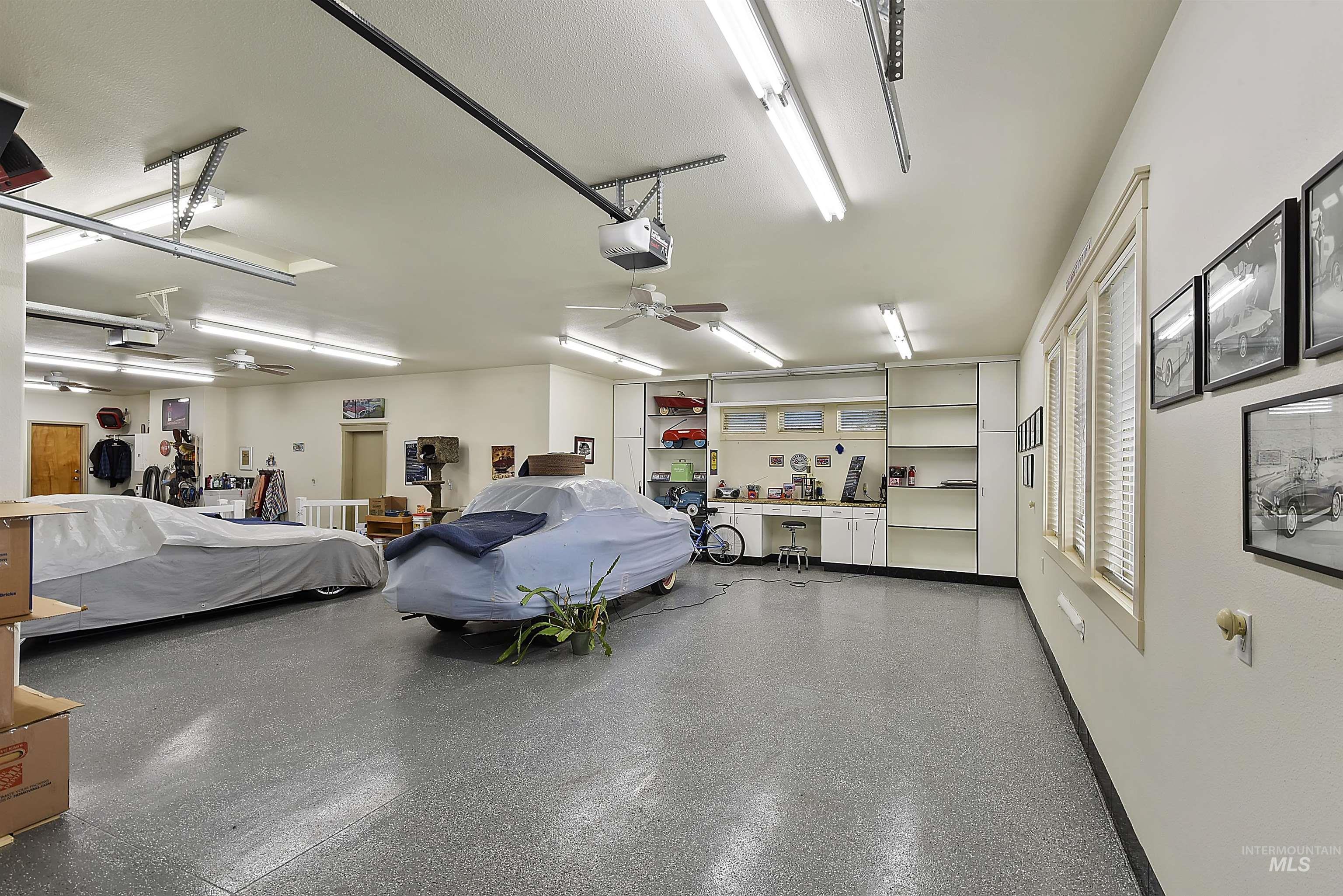 6021 Willow Creek Property Photo 34