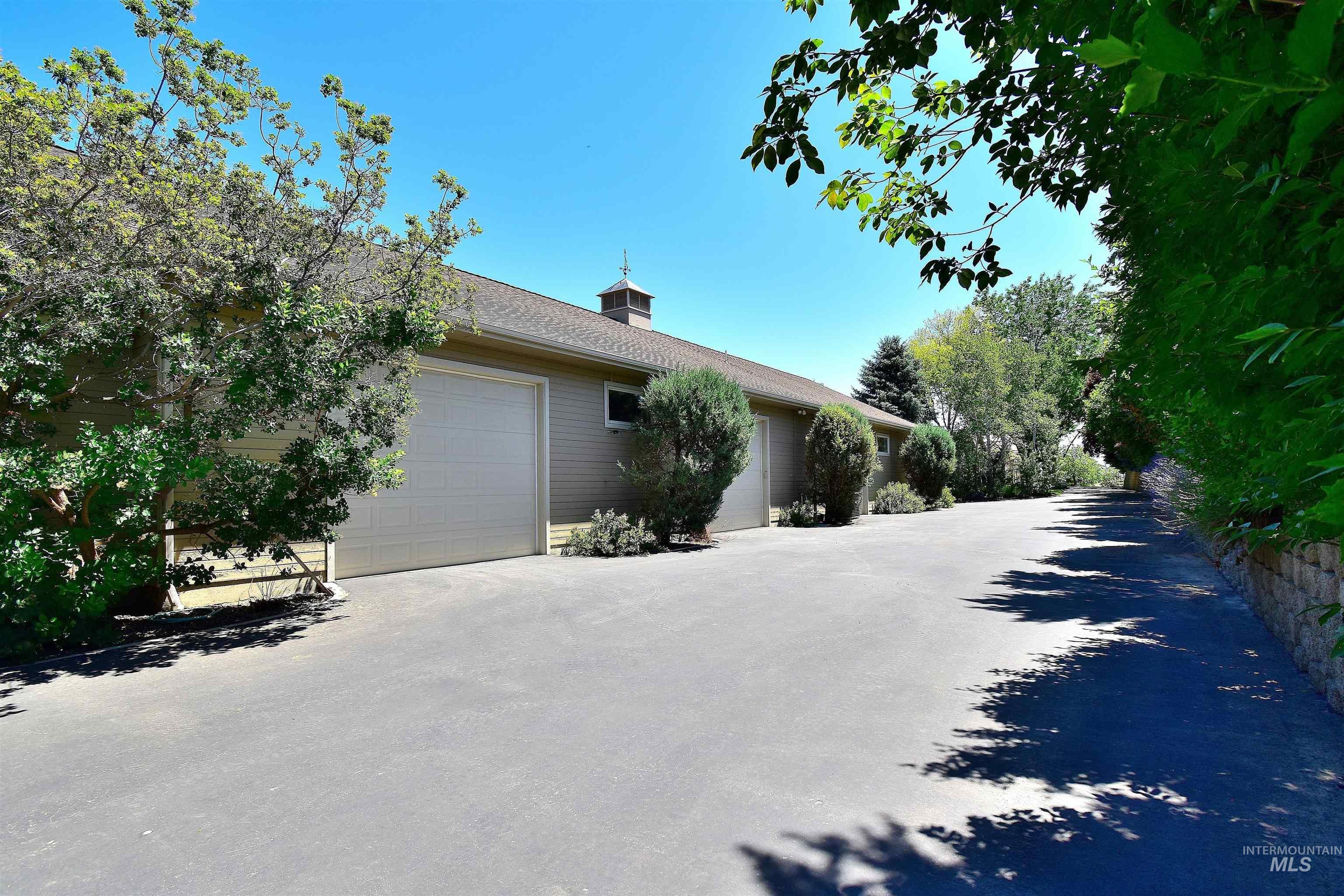 6021 Willow Creek Property Photo 38