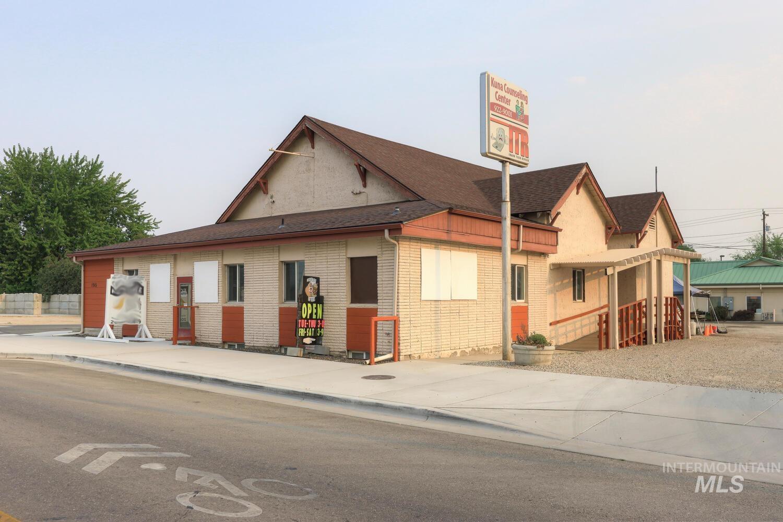 190 Main Street Property Photo