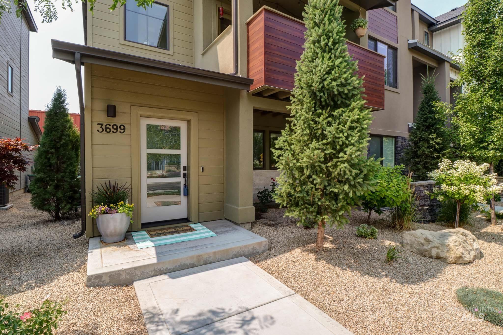 3699 E Parkcenter Blvd. Property Photo