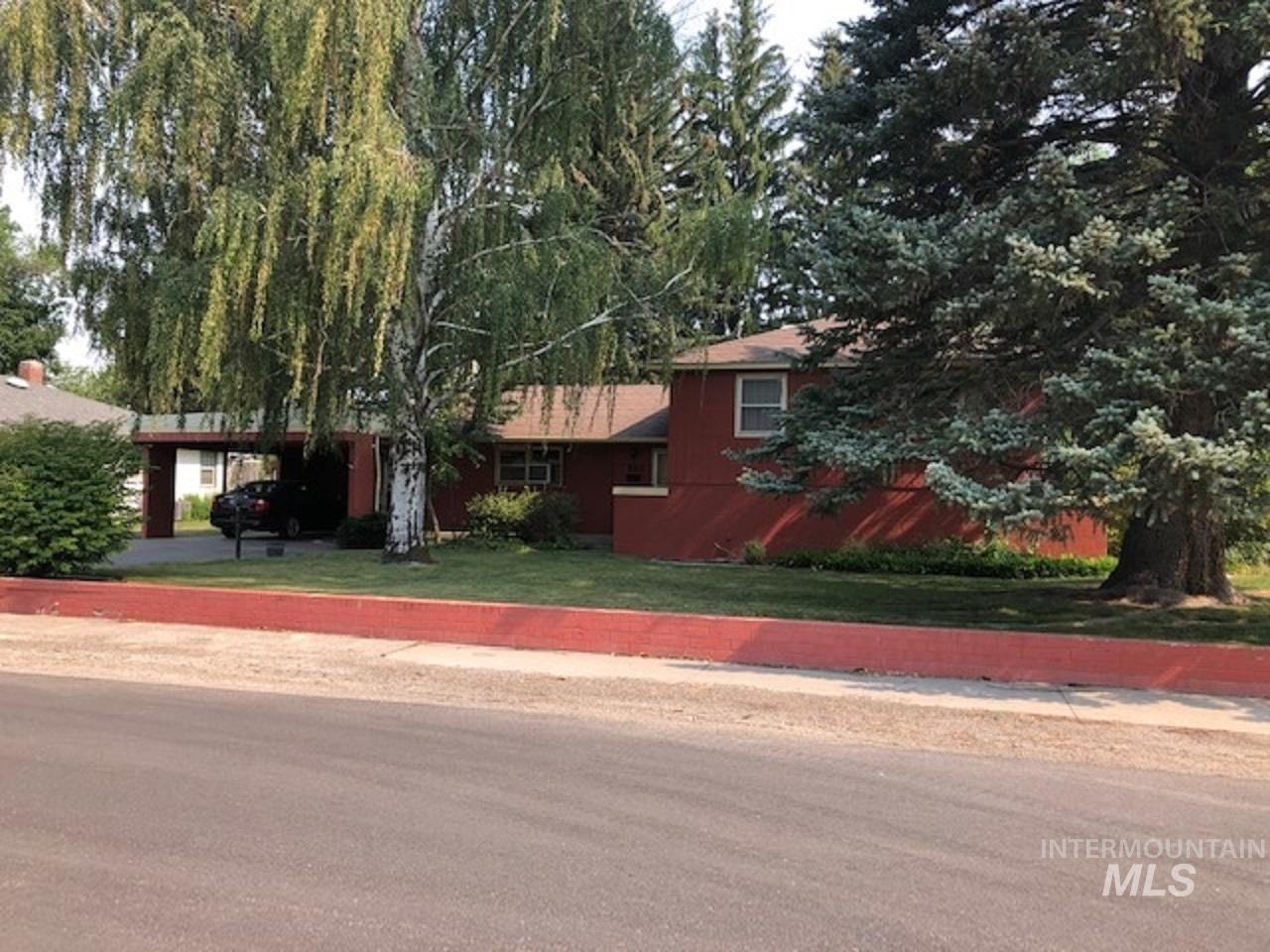 530 13th Street Property Photo