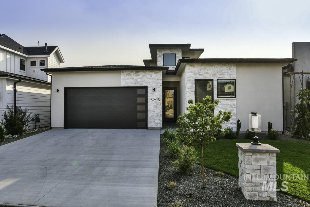 3296 S Eagle Brook Ln Property Photo