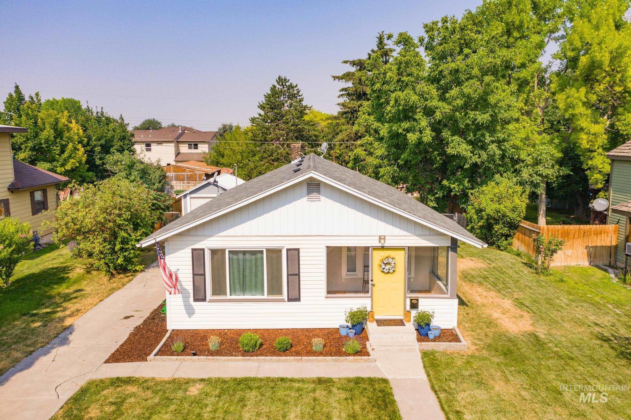 371 Fillmore St Property Photo 1