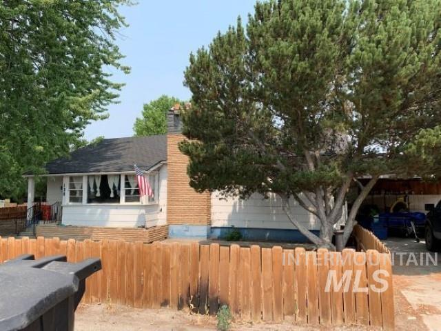 138 W 14th Ave Property Photo