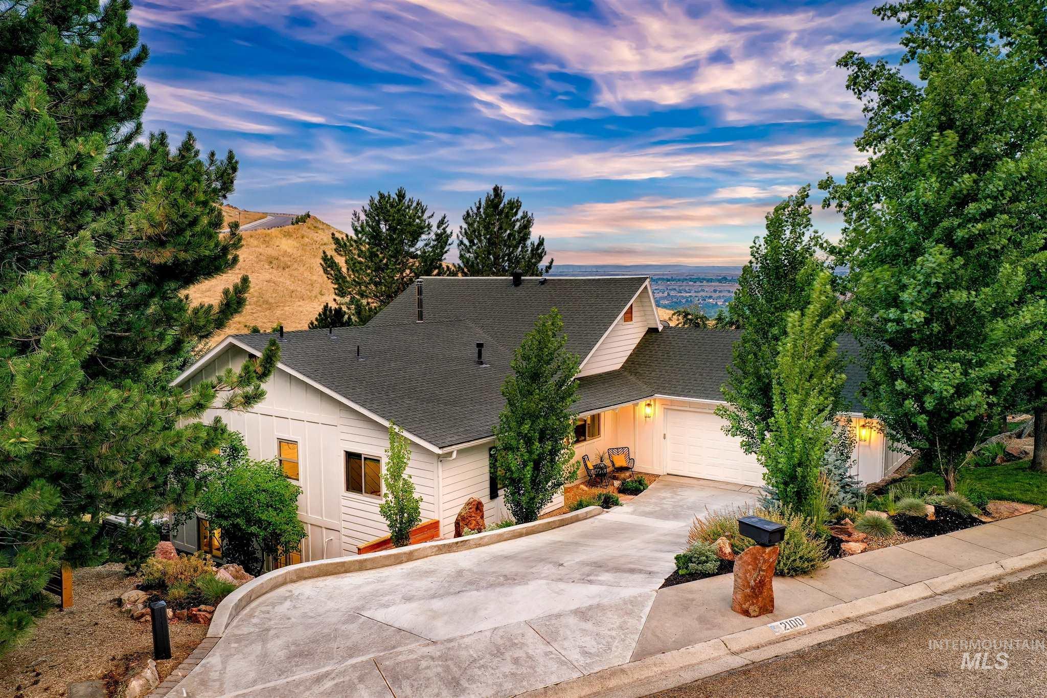 2100 S Ridge Point Way Property Photo
