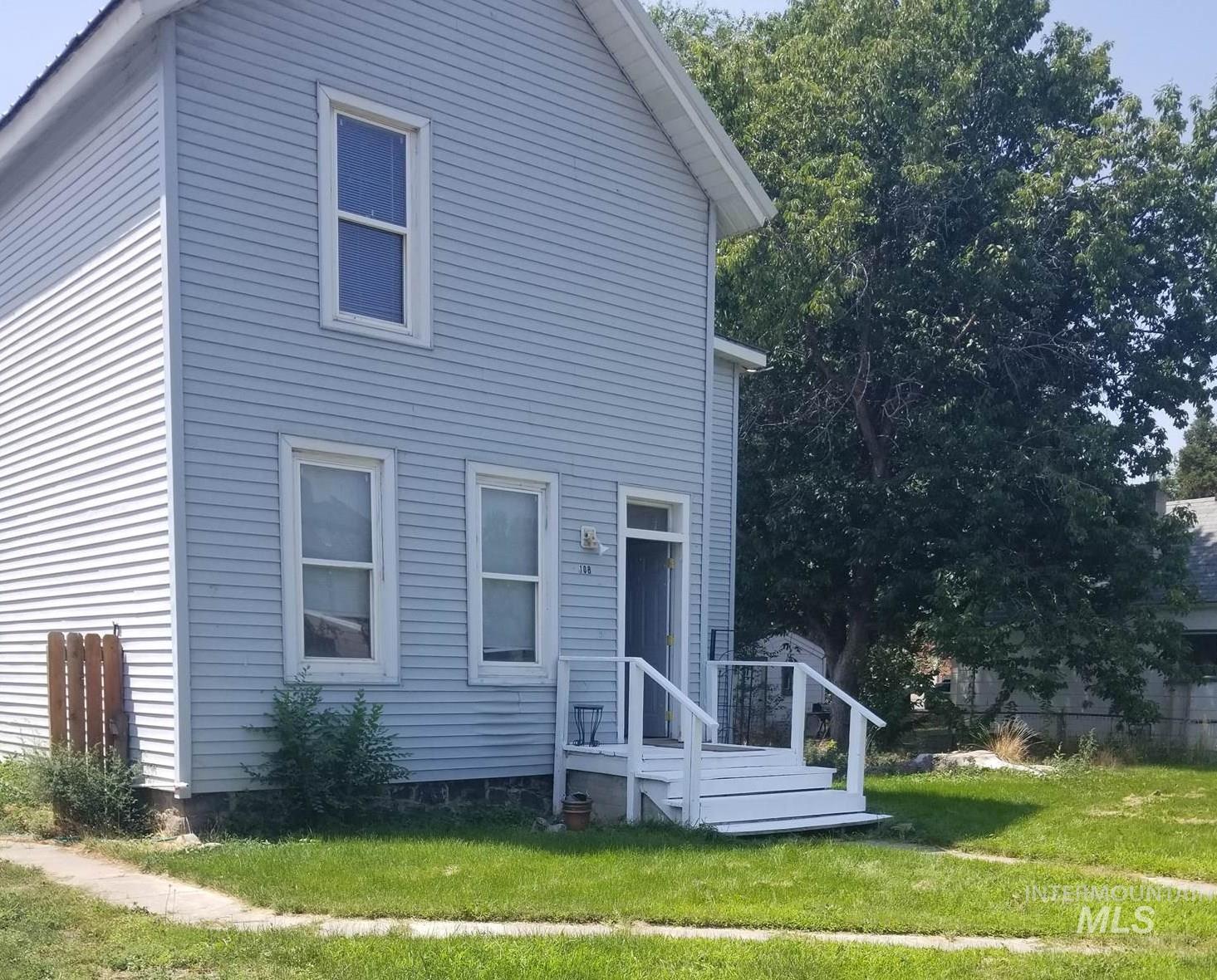 108 E C Street Property Photo