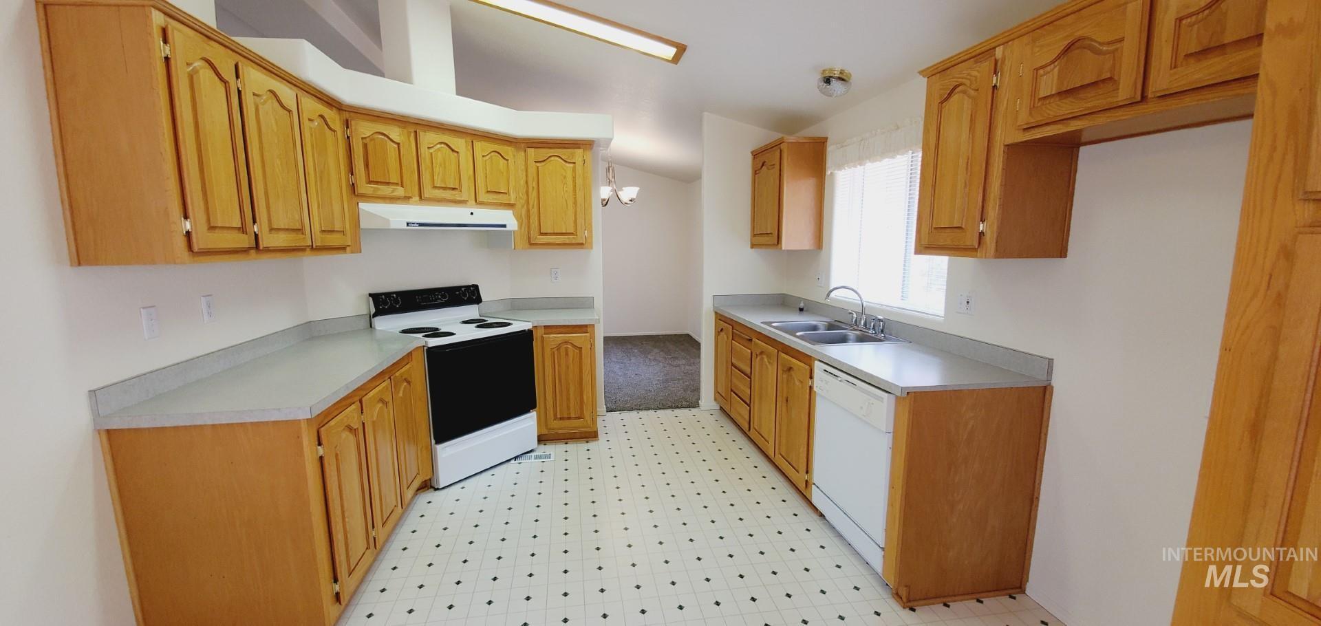 22046 Awesome Lane Property Photo 20