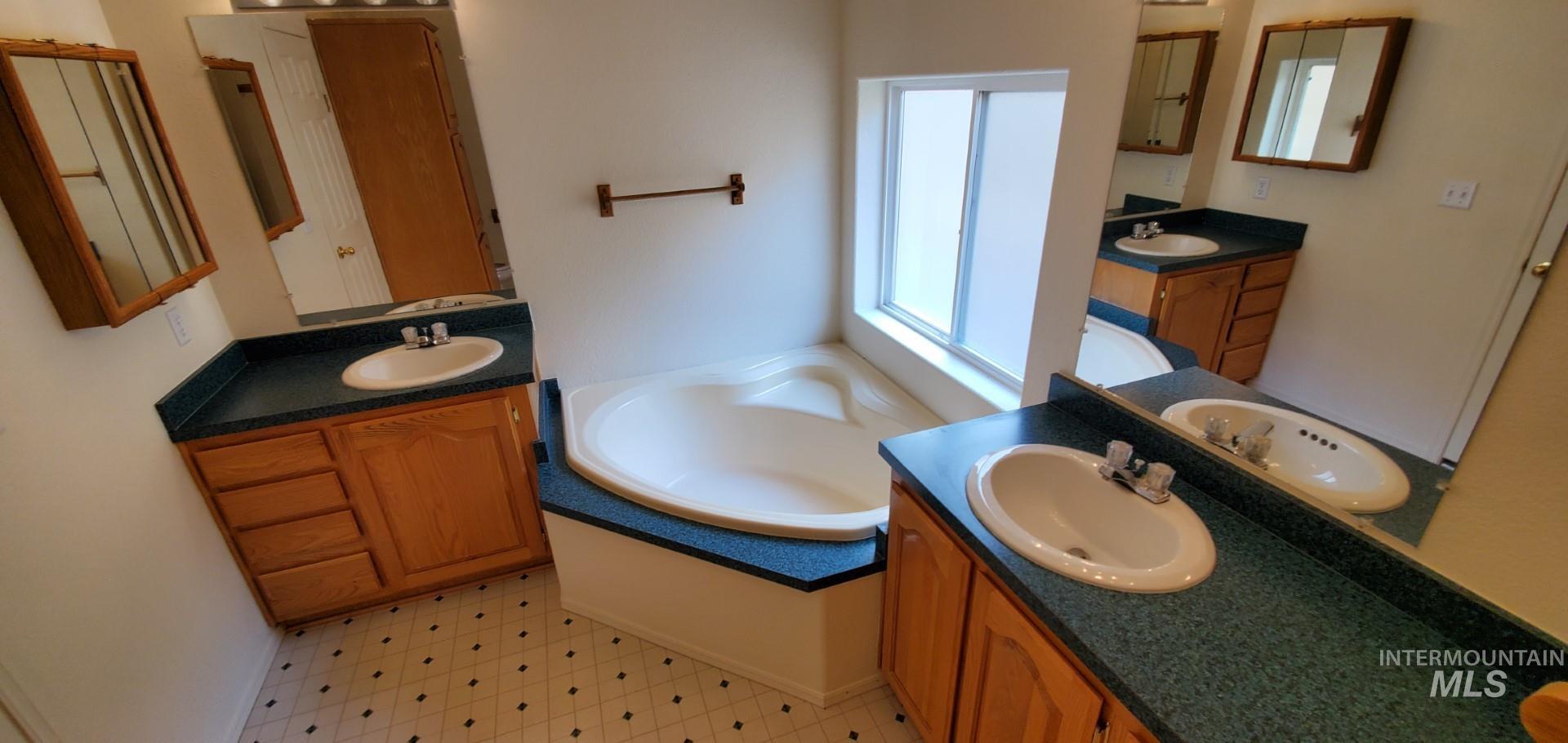22046 Awesome Lane Property Photo 24