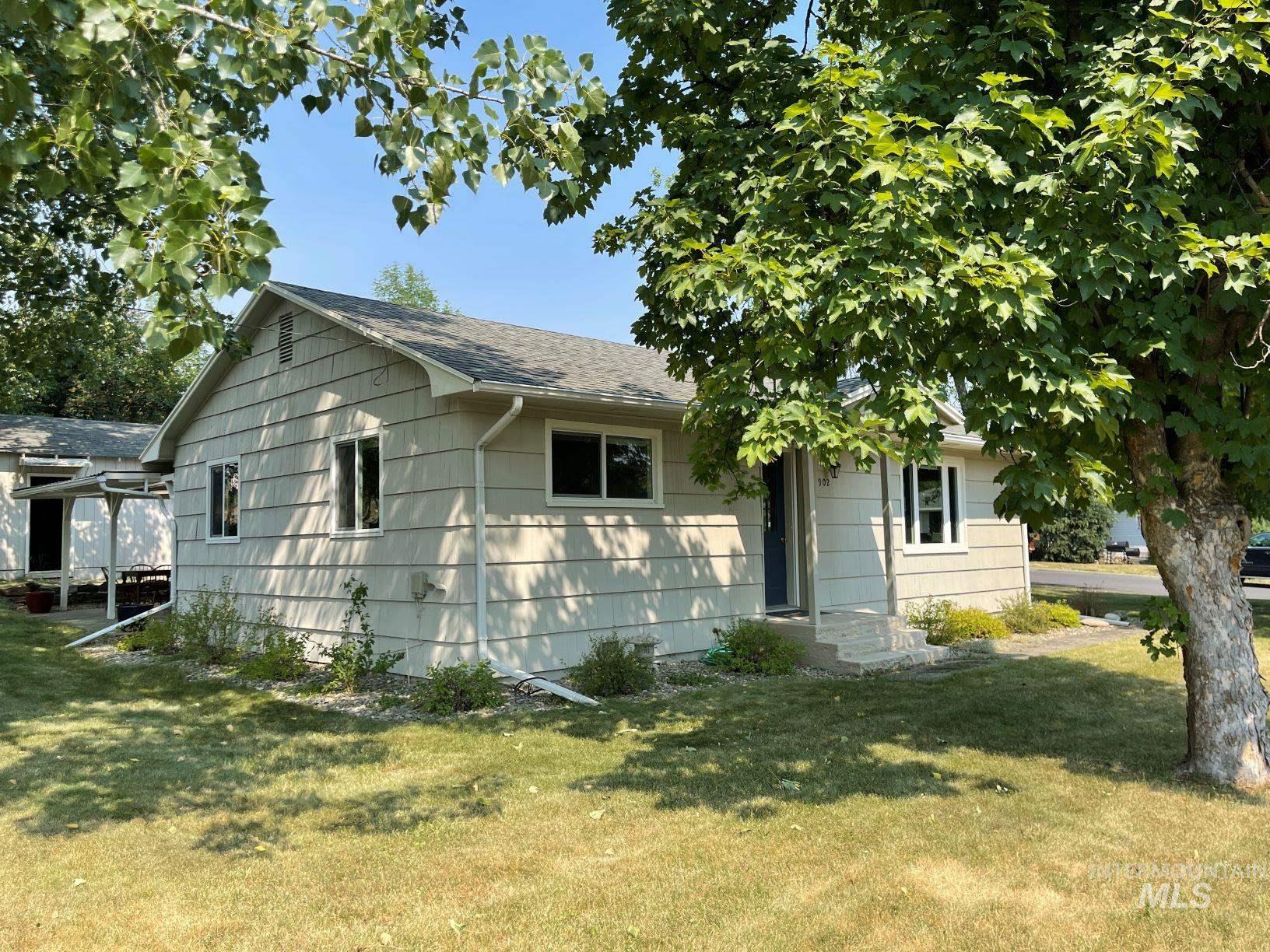 902 S Idaho Ave Property Photo
