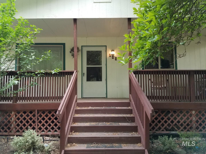 604 Kalaspo Ave Property Photo