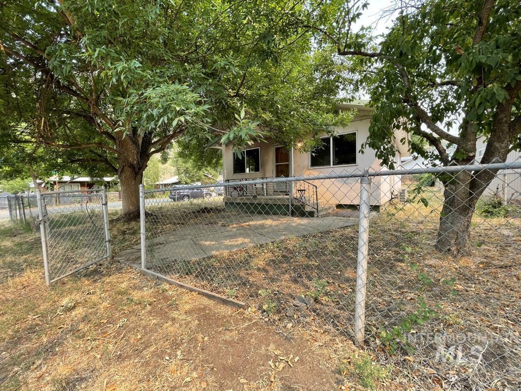 160 Cooper Property Photo
