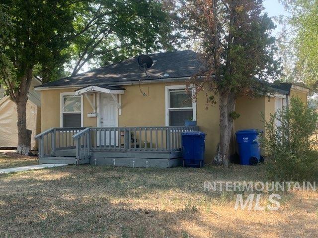 211 D Ave E Property Photo