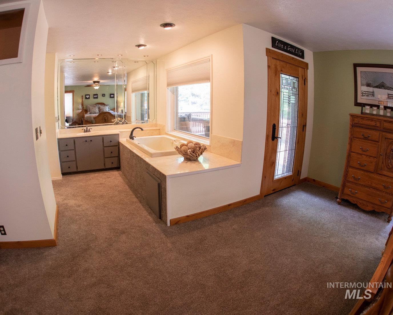 2020 Bennett Property Photo 22