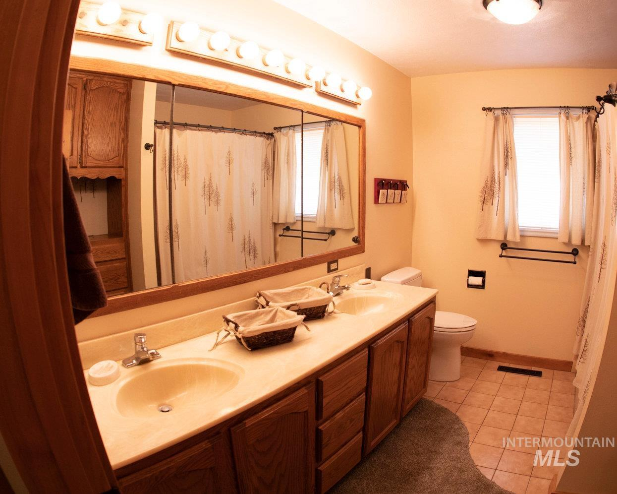 2020 Bennett Property Photo 26