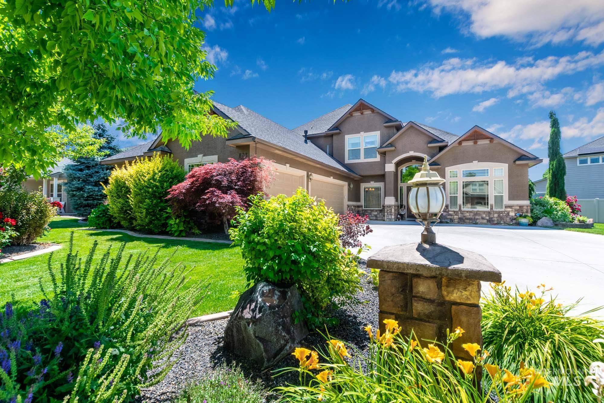 803 W Heather Woods Drive Property Photo 1