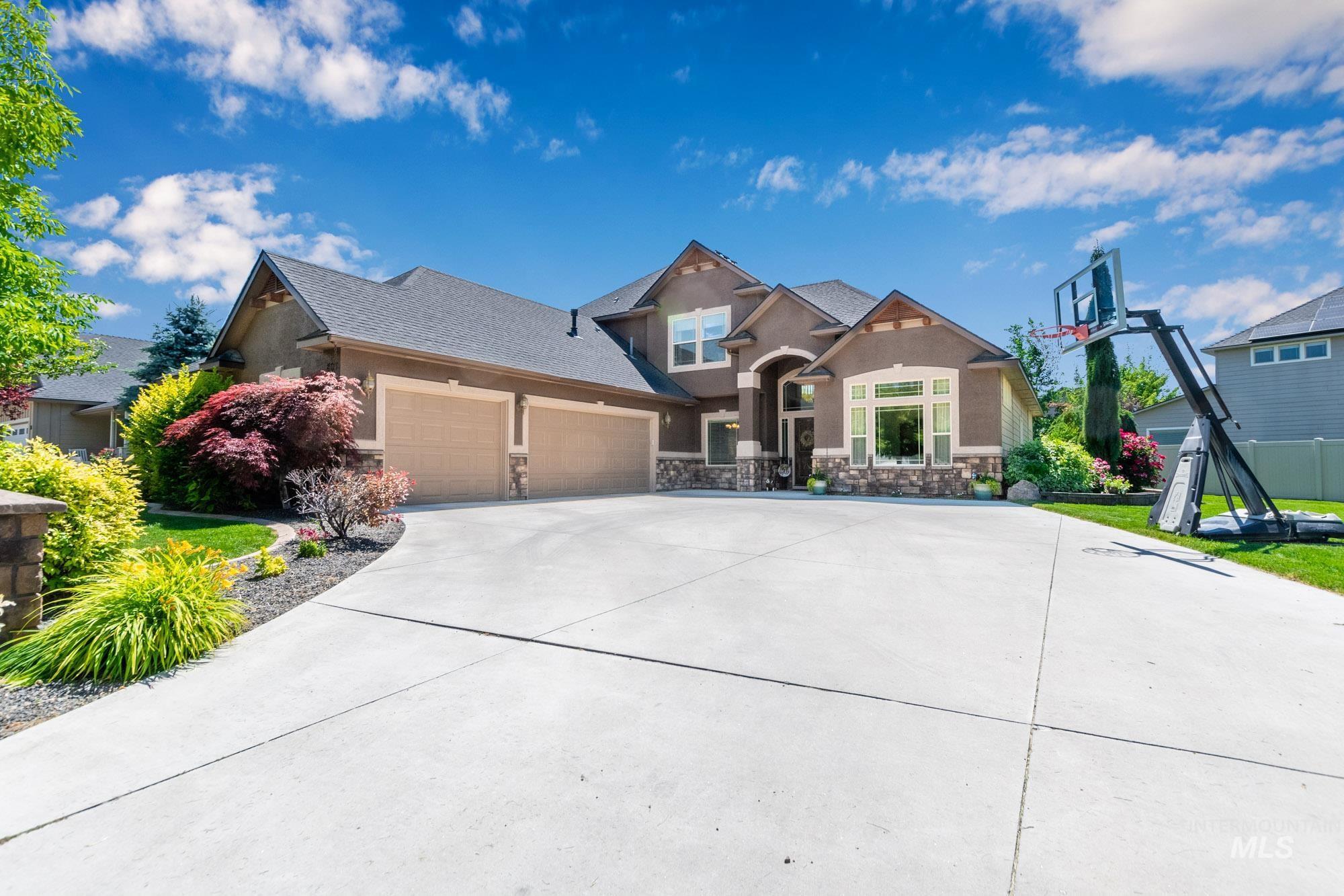 803 W Heather Woods Drive Property Photo 2