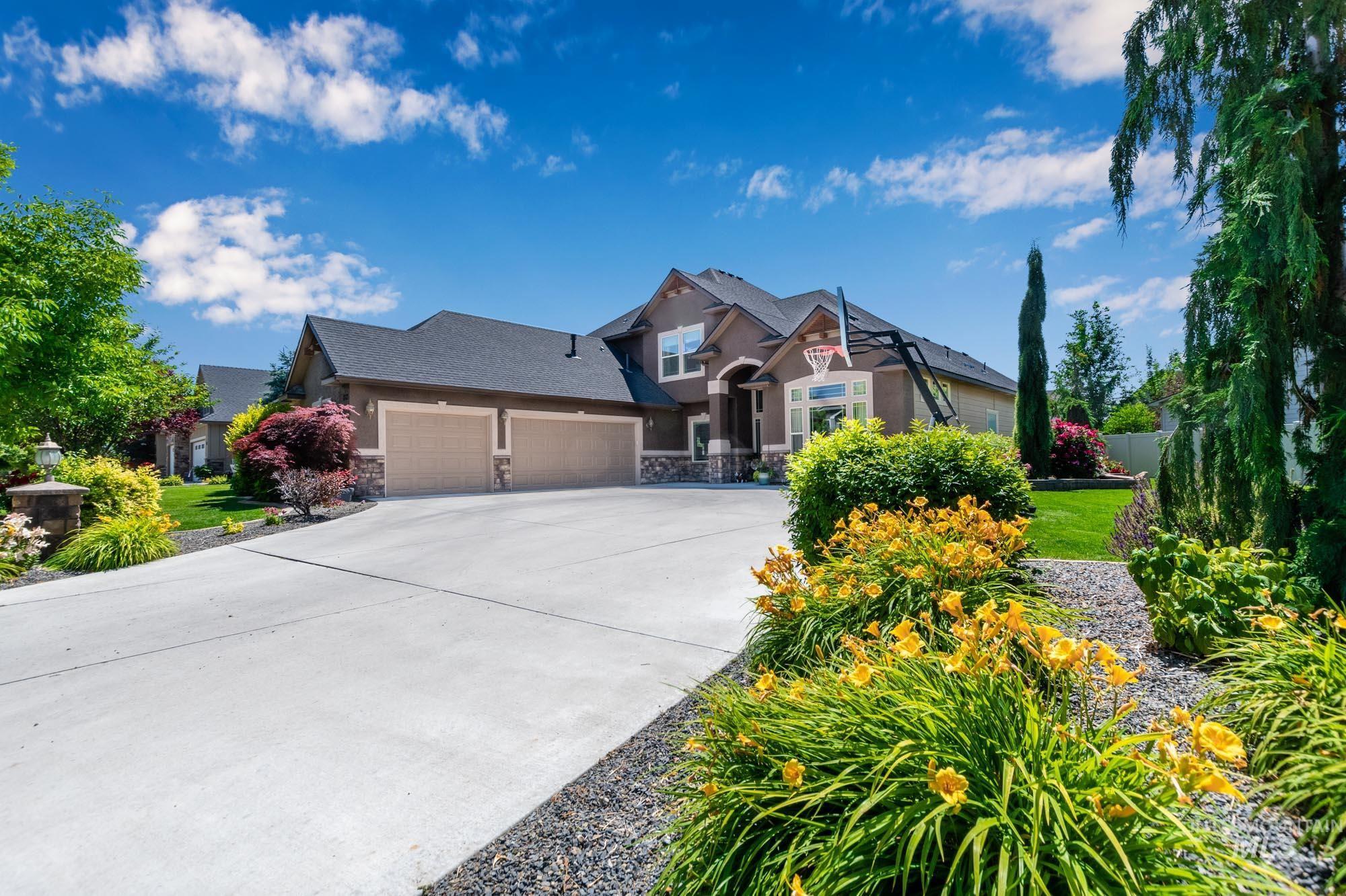 803 W Heather Woods Drive Property Photo 3