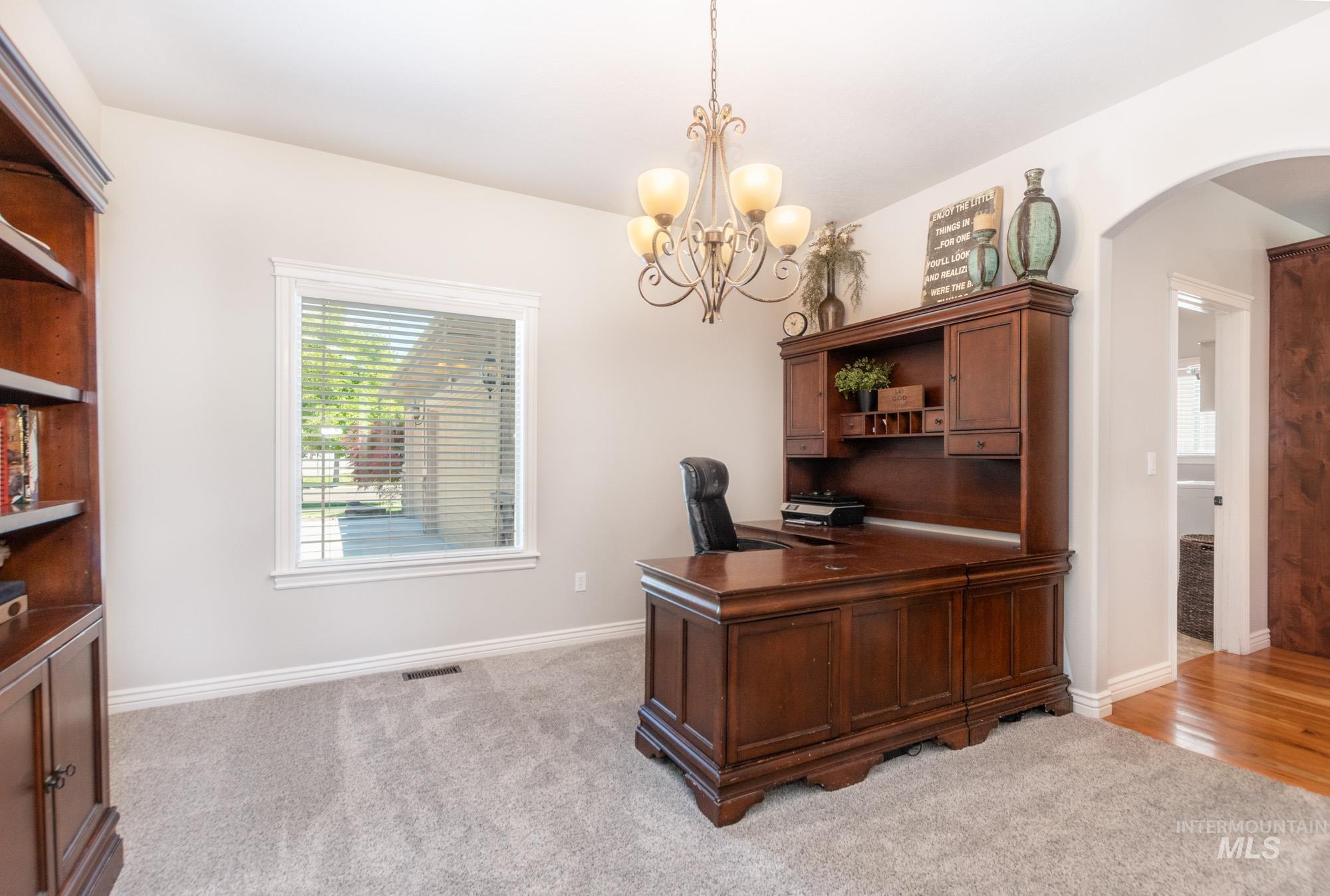 803 W Heather Woods Drive Property Photo 9
